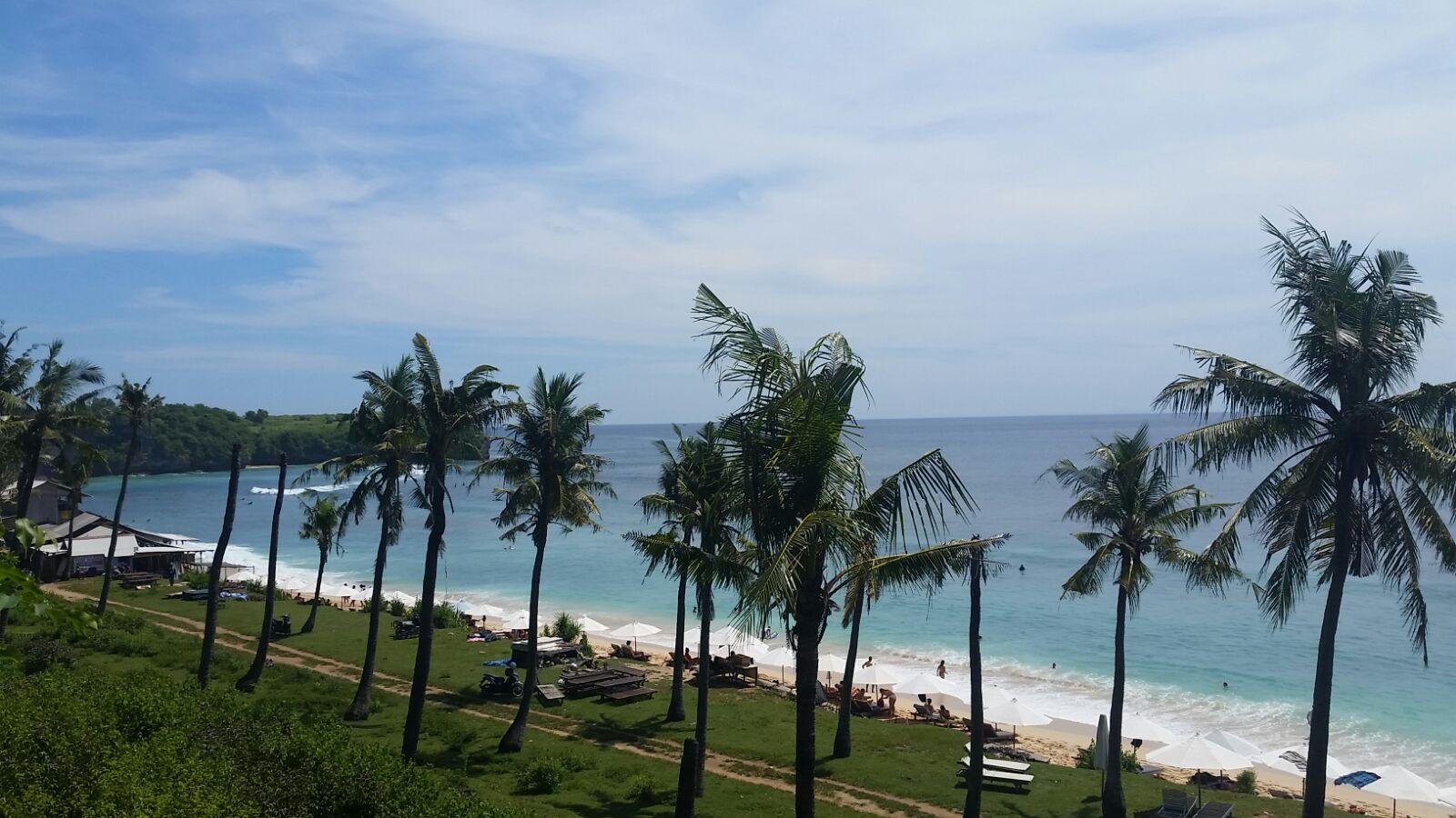 Balangan Beach. Photo via Melali Bingin
