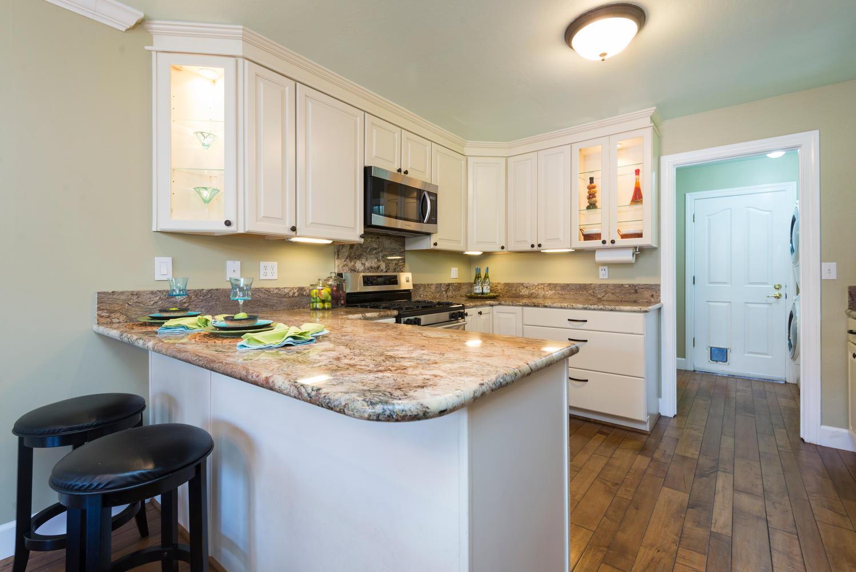 850 Minnesota Ave Unit 112 San-large-010-Kitchen-1498x1000-72dpi.jpg