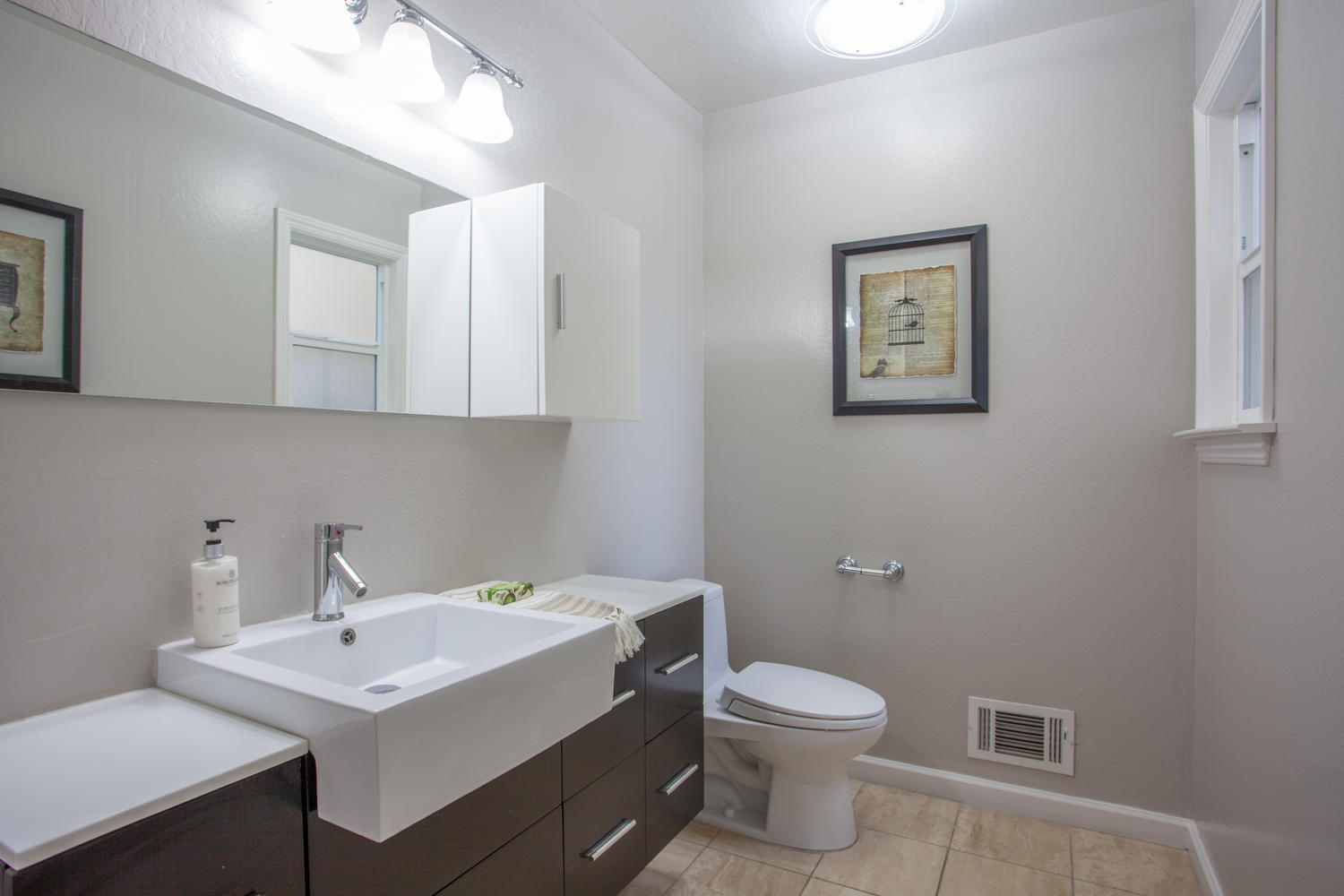 3519 Calvelli Ct San Jose CA-large-009-8-Powder Room-1500x1000-72dpi.jpg