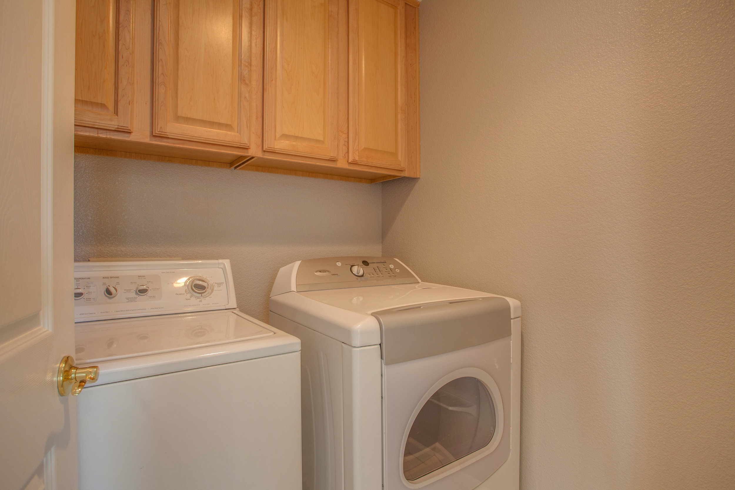 420 Tower Hill Ave South San-print-013-14-Laundry Closet-4200x2800-300dpi.jpg