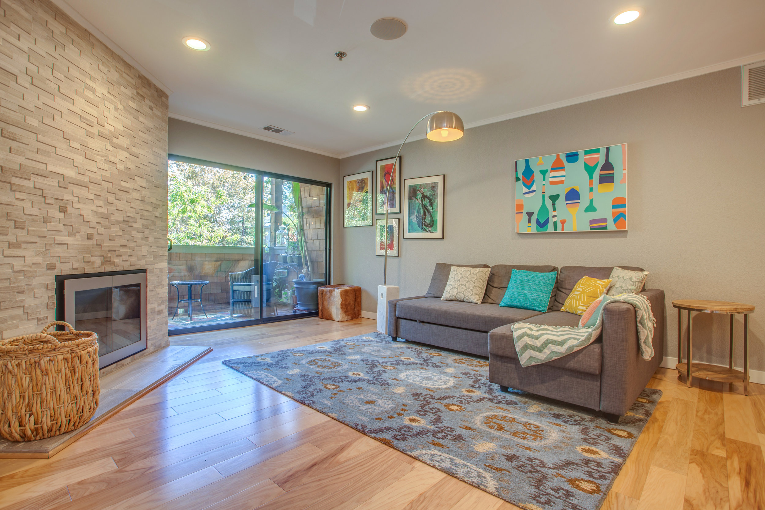 1106_la_terrace_circle_MLS_HID1123238_ROOMlivingroom1.jpg