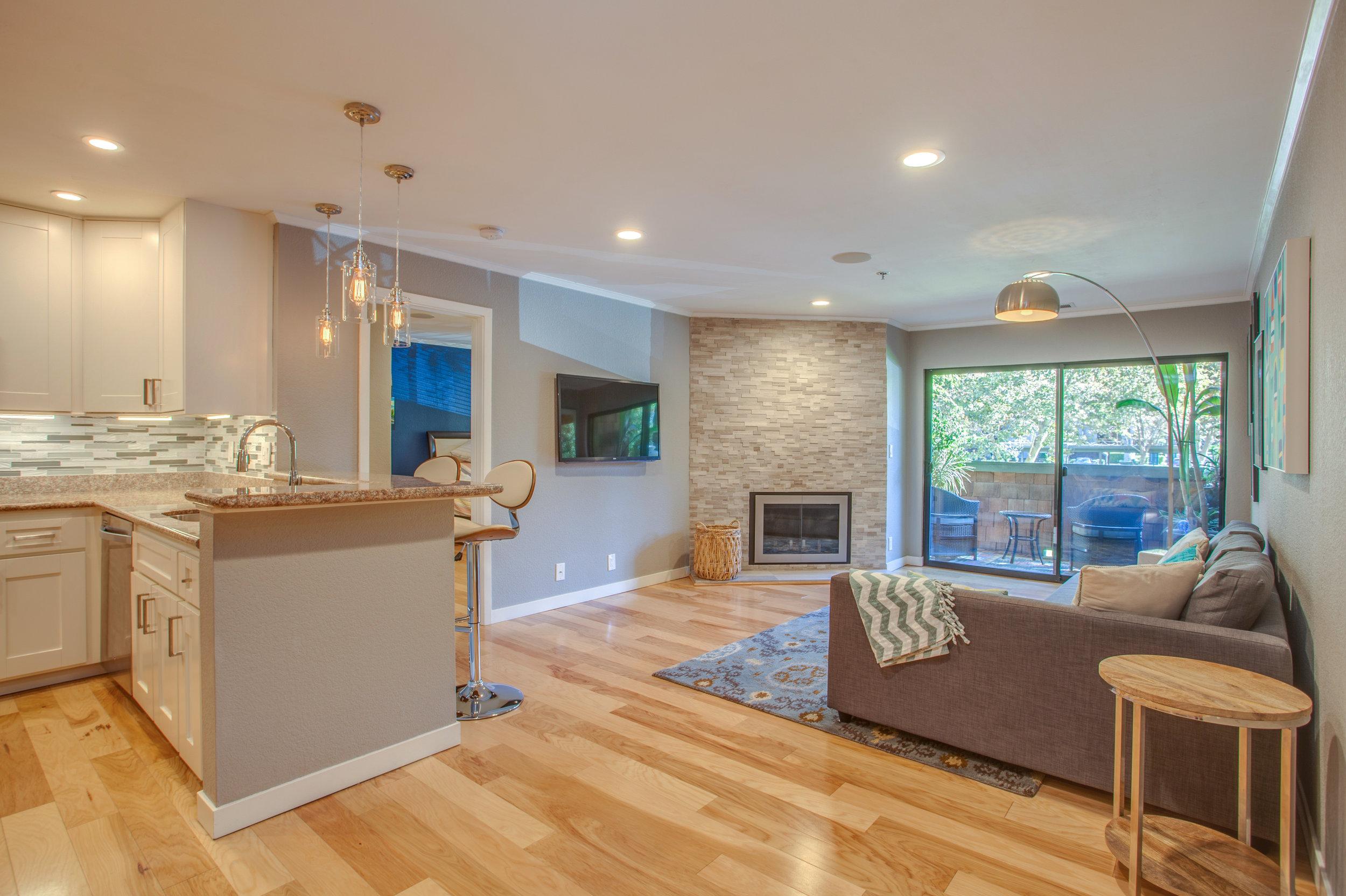 1106_la_terrace_circle_MLS_HID1123238_ROOMlivingroom2.jpg