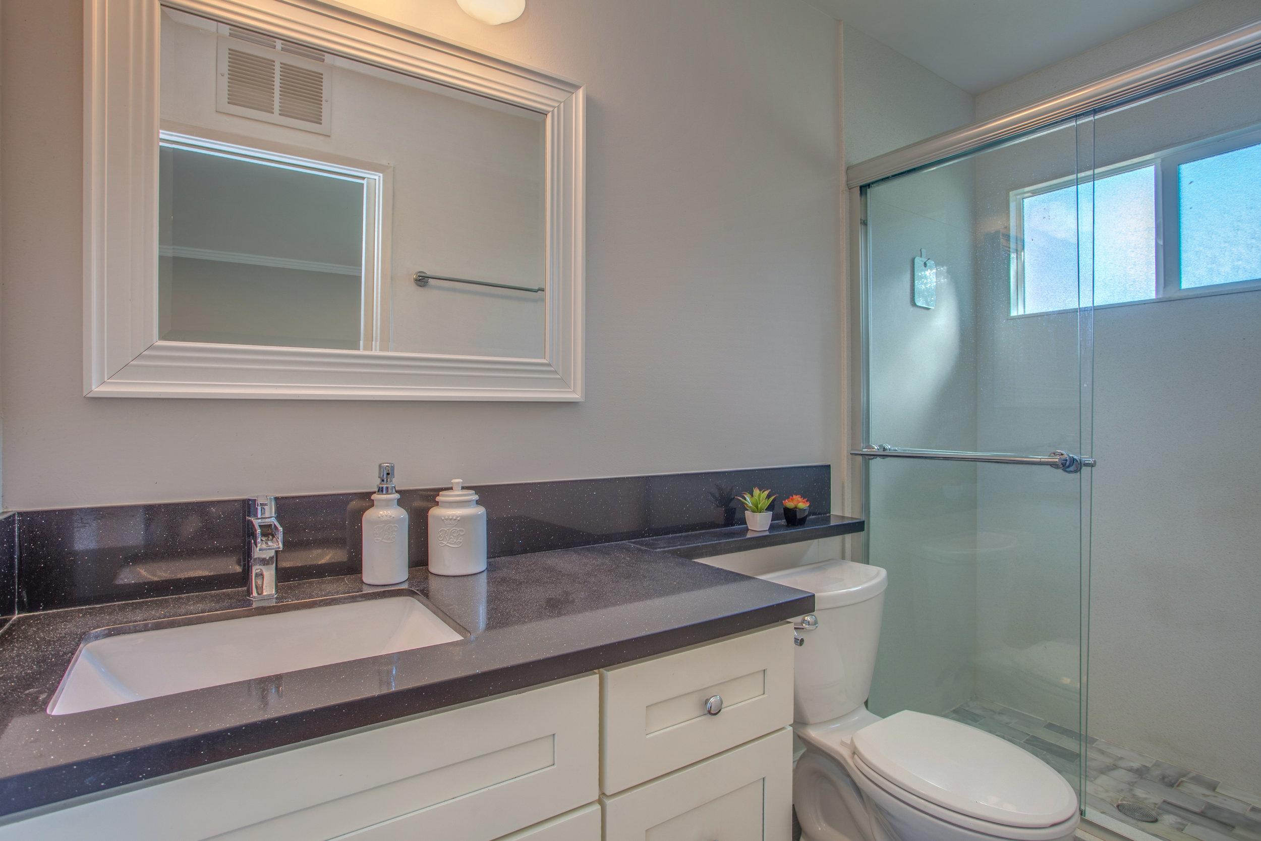 3538_kersten_drive_MLS_HID1143132_ROOMmasterbathroom.jpg