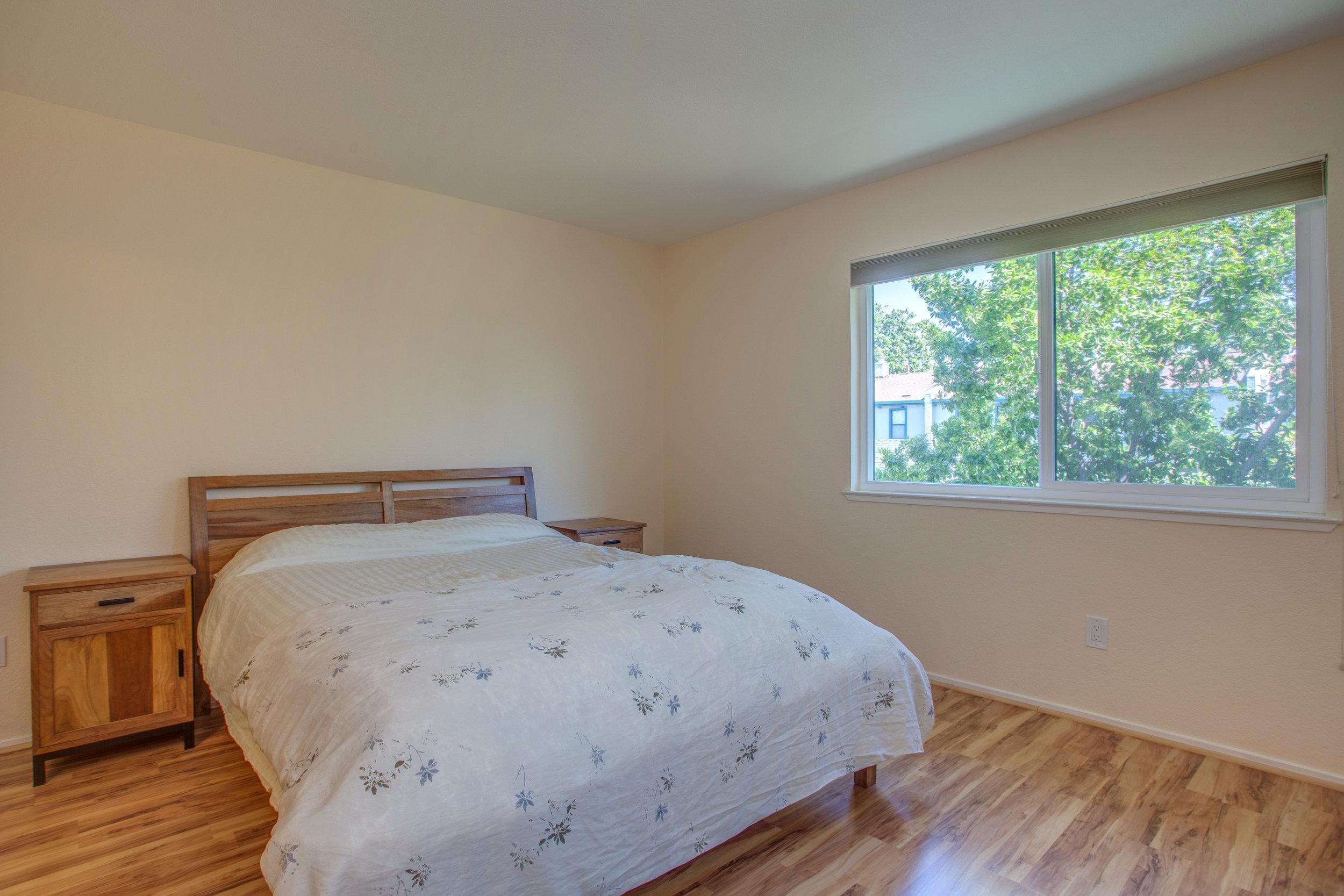2040_main_street_105_MLS_HID1147580_ROOMbedroom.jpg