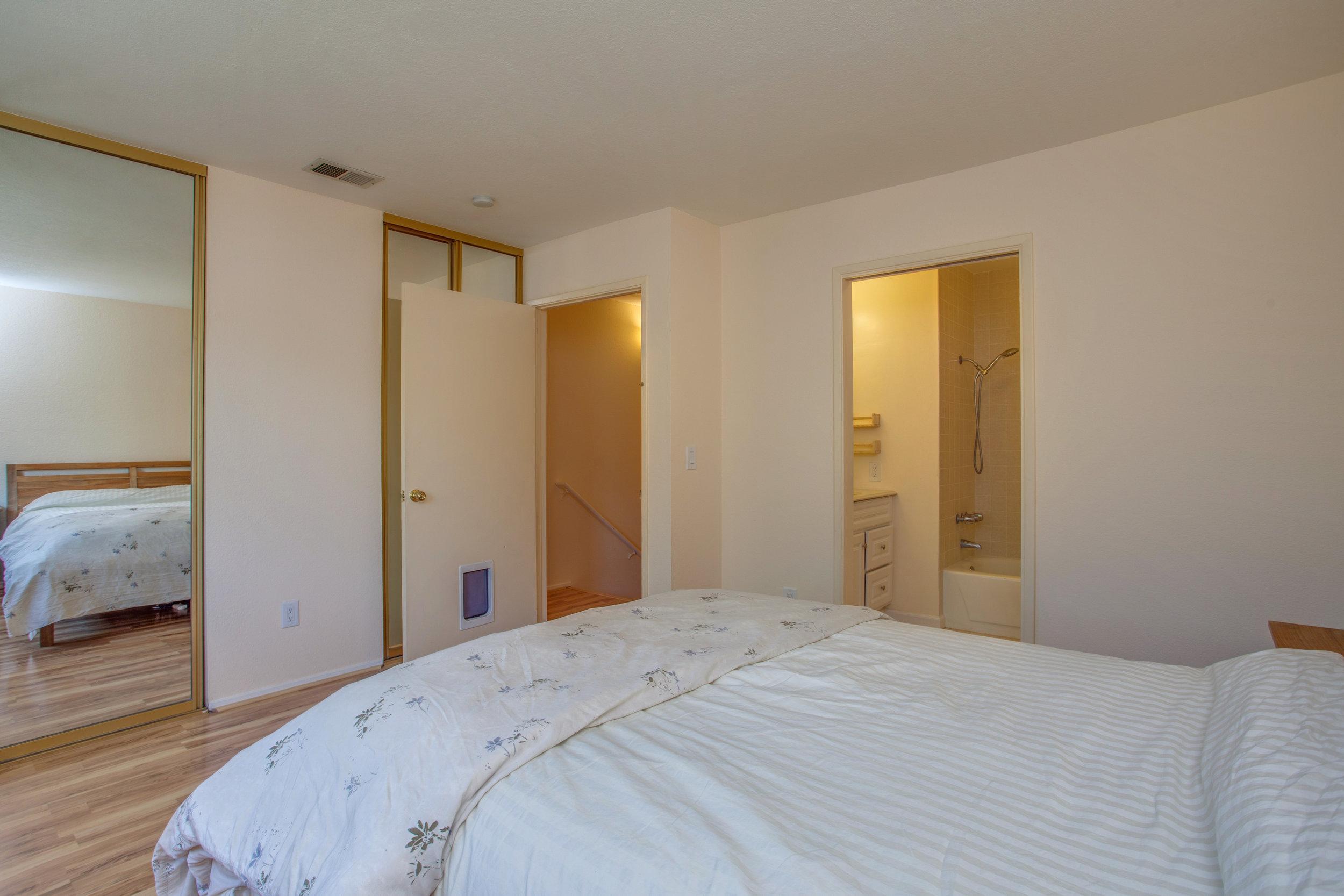2040_main_street_105_MLS_HID1147580_ROOMbedroom1.jpg