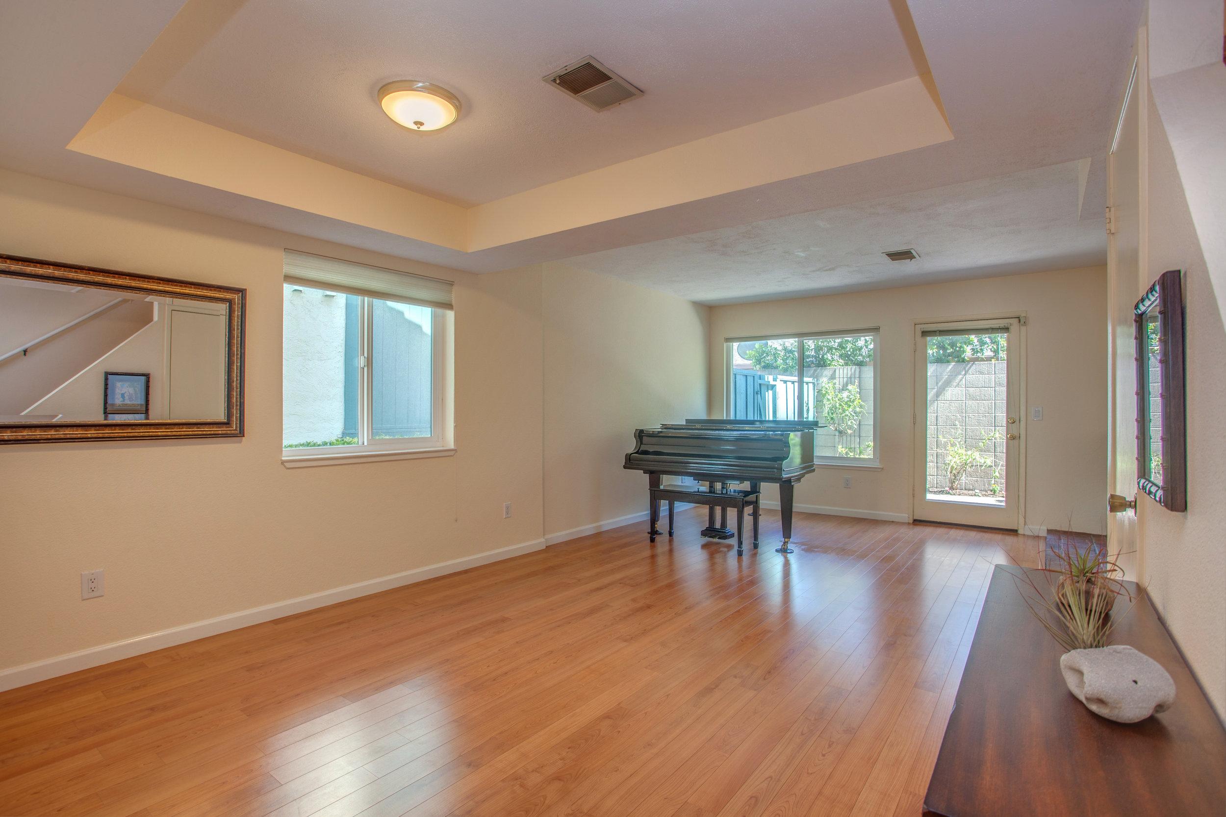 2040_main_street_105_MLS_HID1147580_ROOMlivingroom.jpg