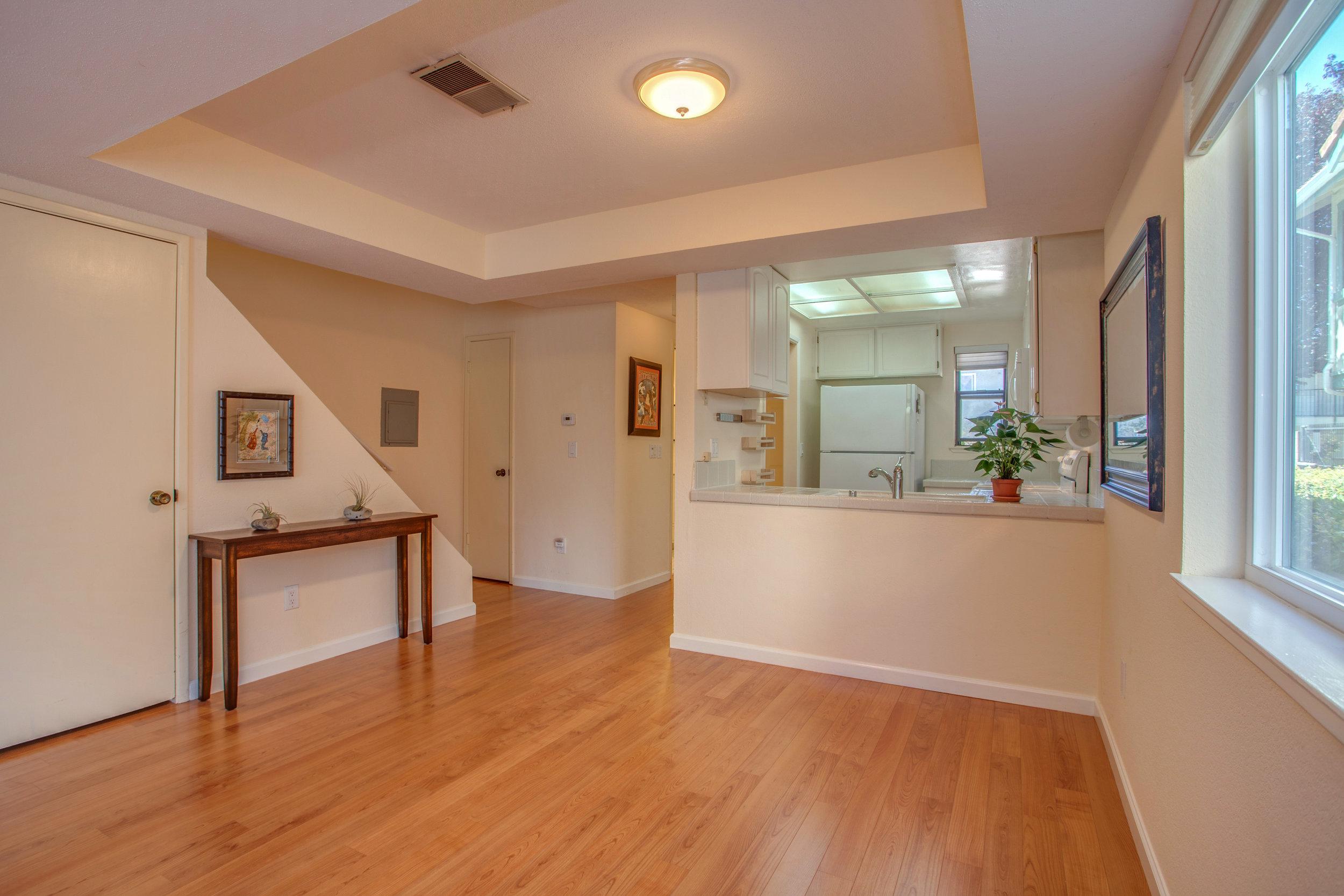 2040_main_street_105_MLS_HID1147580_ROOMlivingroom3.jpg