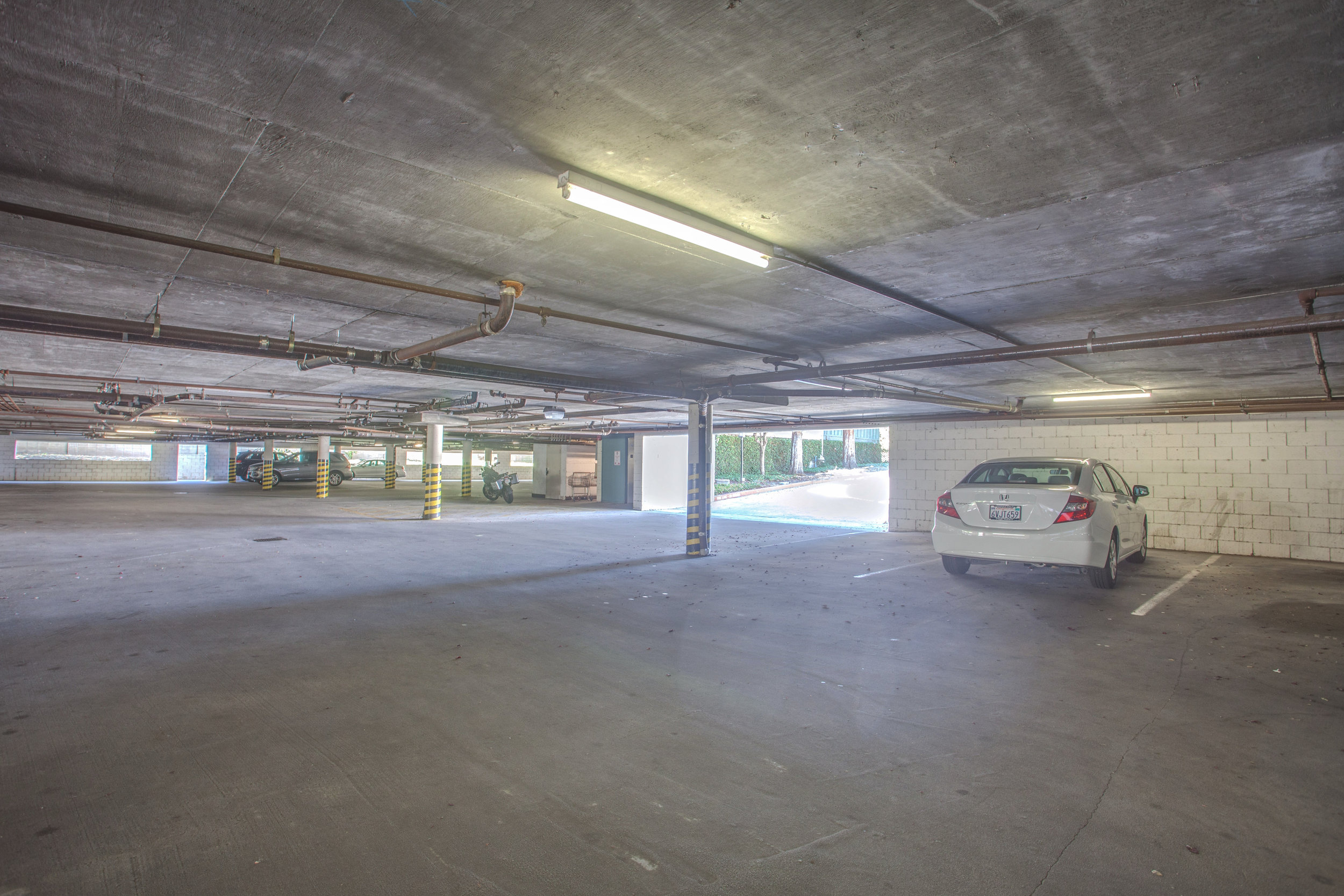 2040_main_street_105_MLS_HID1147580_ROOMparking.jpg
