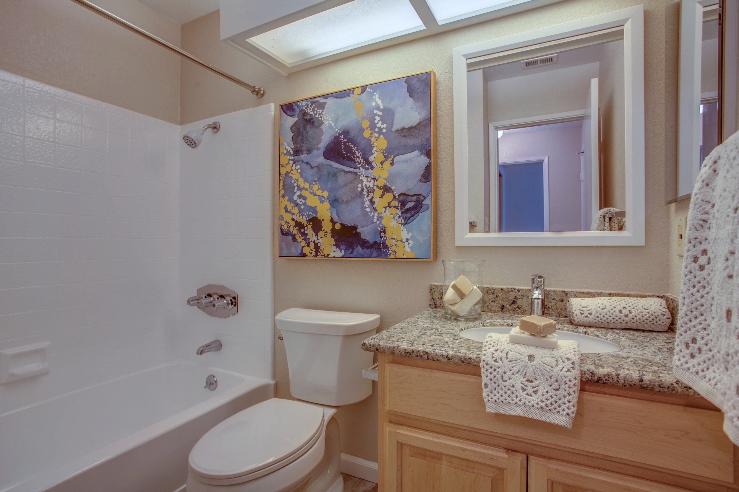 1074_cedar_gables_drive_MLS_HID1150582_ROOMfullbathroom.jpg