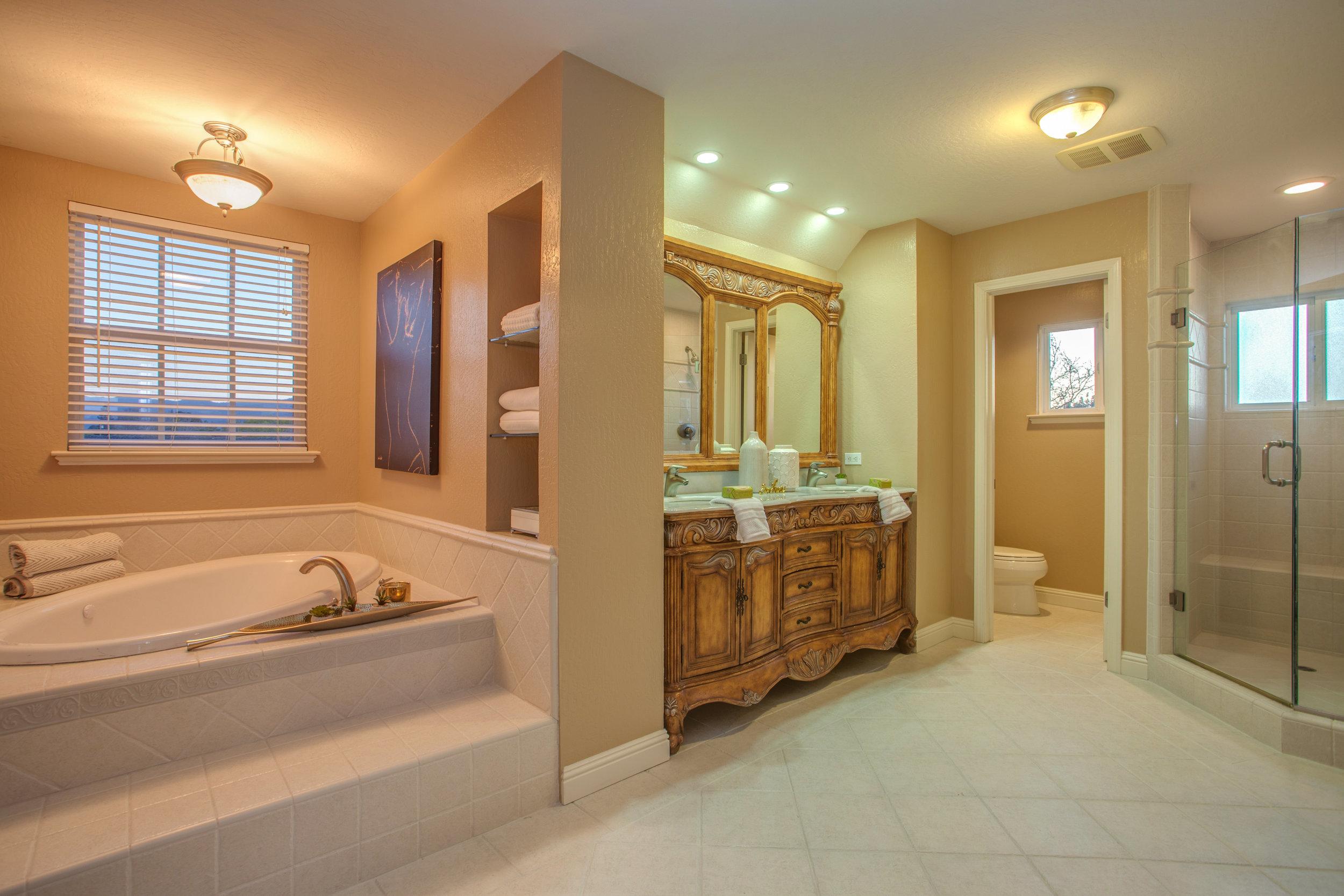 1651_jacob_avenue_MLS_HID1157984_ROOMmasterbathroom.jpg