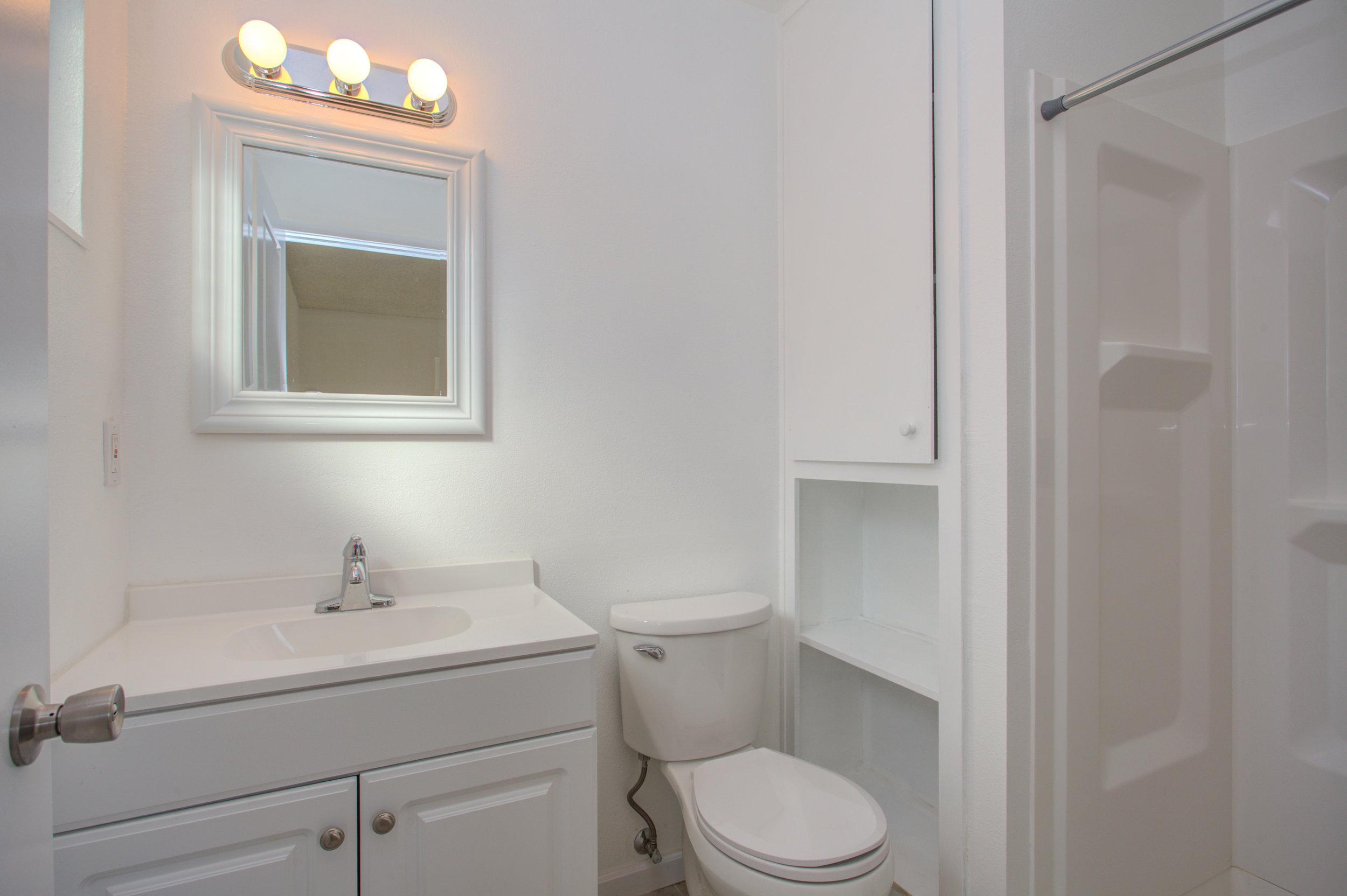 1961_mclaughlin_ave_MLS_HID1162795_ROOMmasterbathroom.jpg