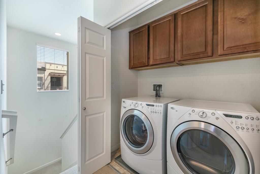 015_Laundry Room.jpg