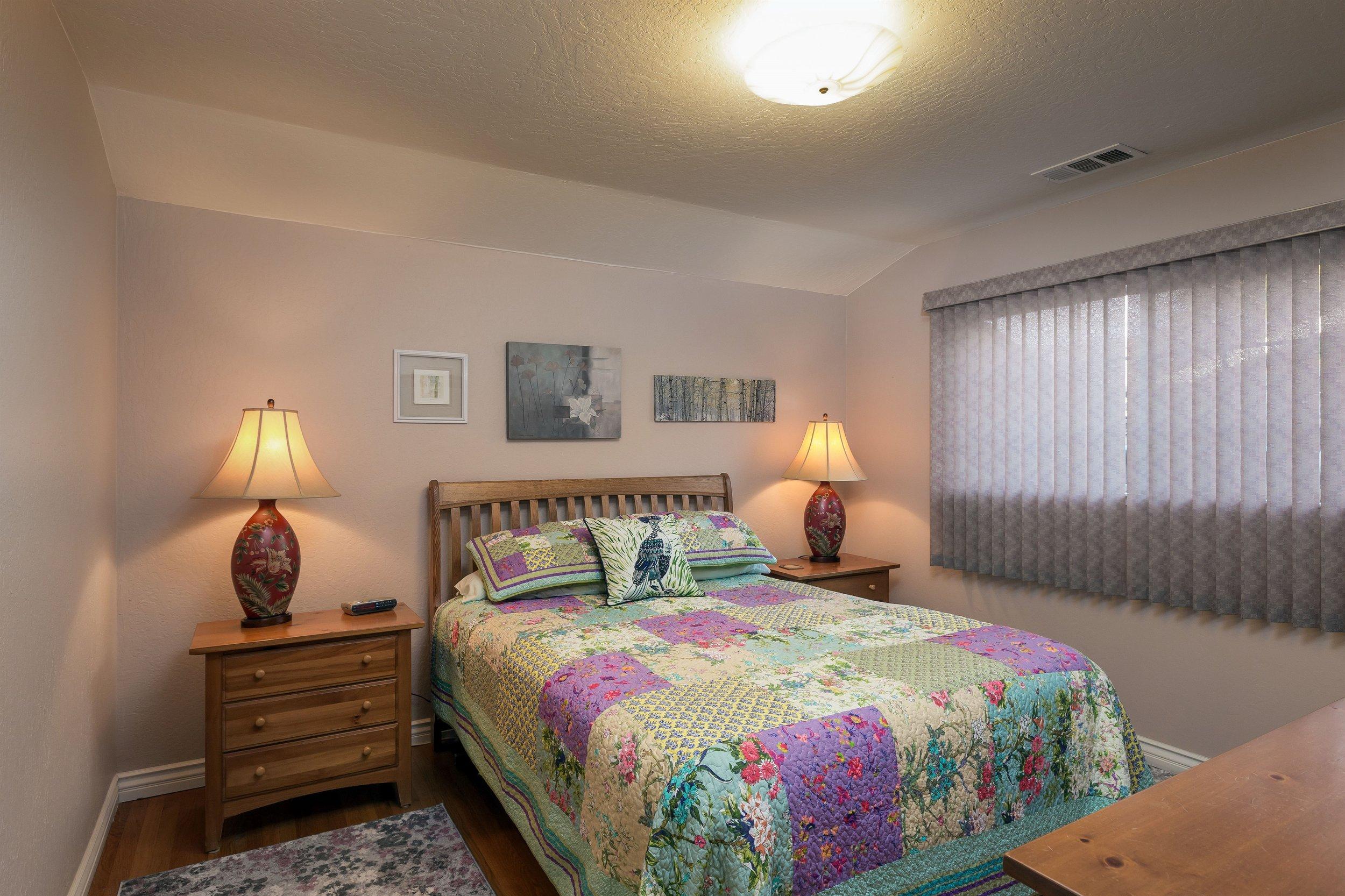 022_Bedroom (1).jpg