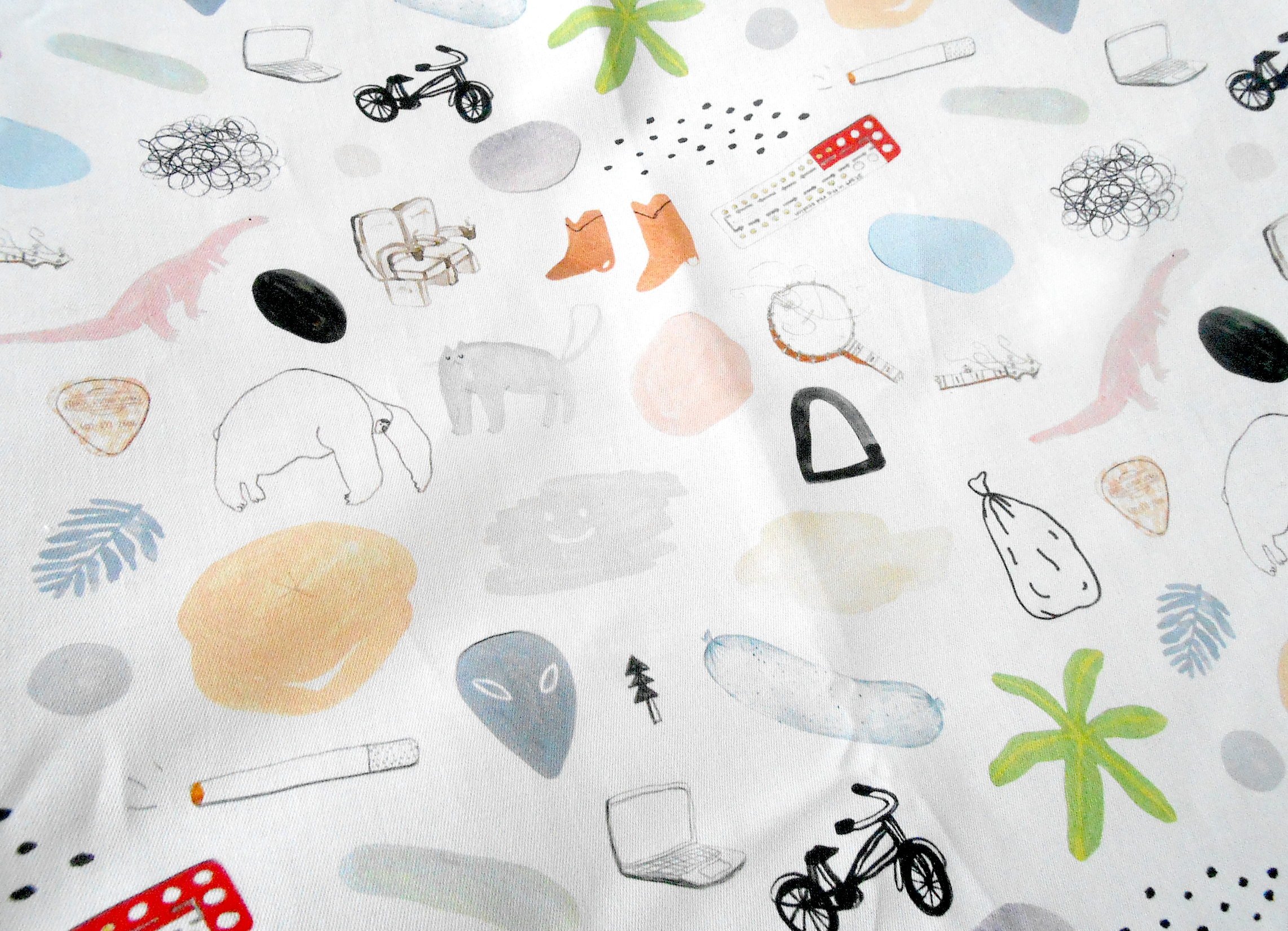 HITHERTO DOONA fabric detail