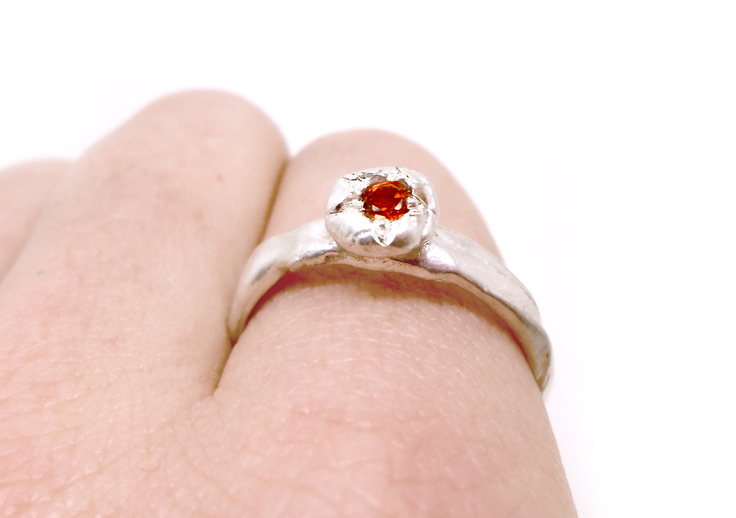 JUNE RING - sterling silver with natural red garnet
