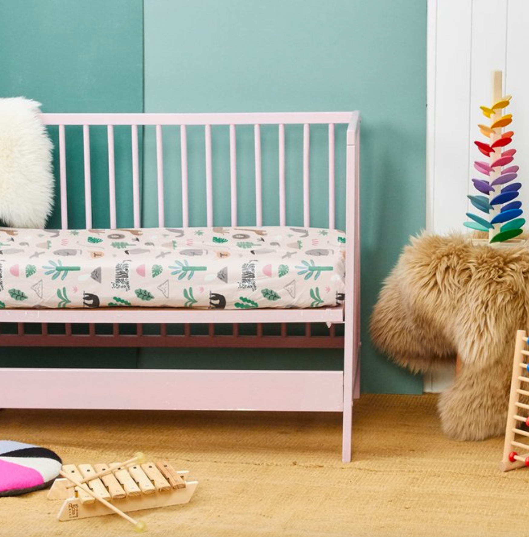 JUNGLE PARTY FITTED COT SHEET