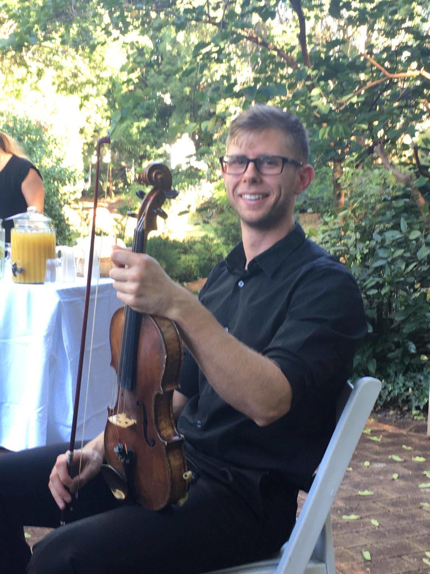 perth-function-string-music-hire-wedding-riverside-musiciansperth-function-string-music-hire-wedding-riverside-musicians-classical-contemporary-violinist-violin