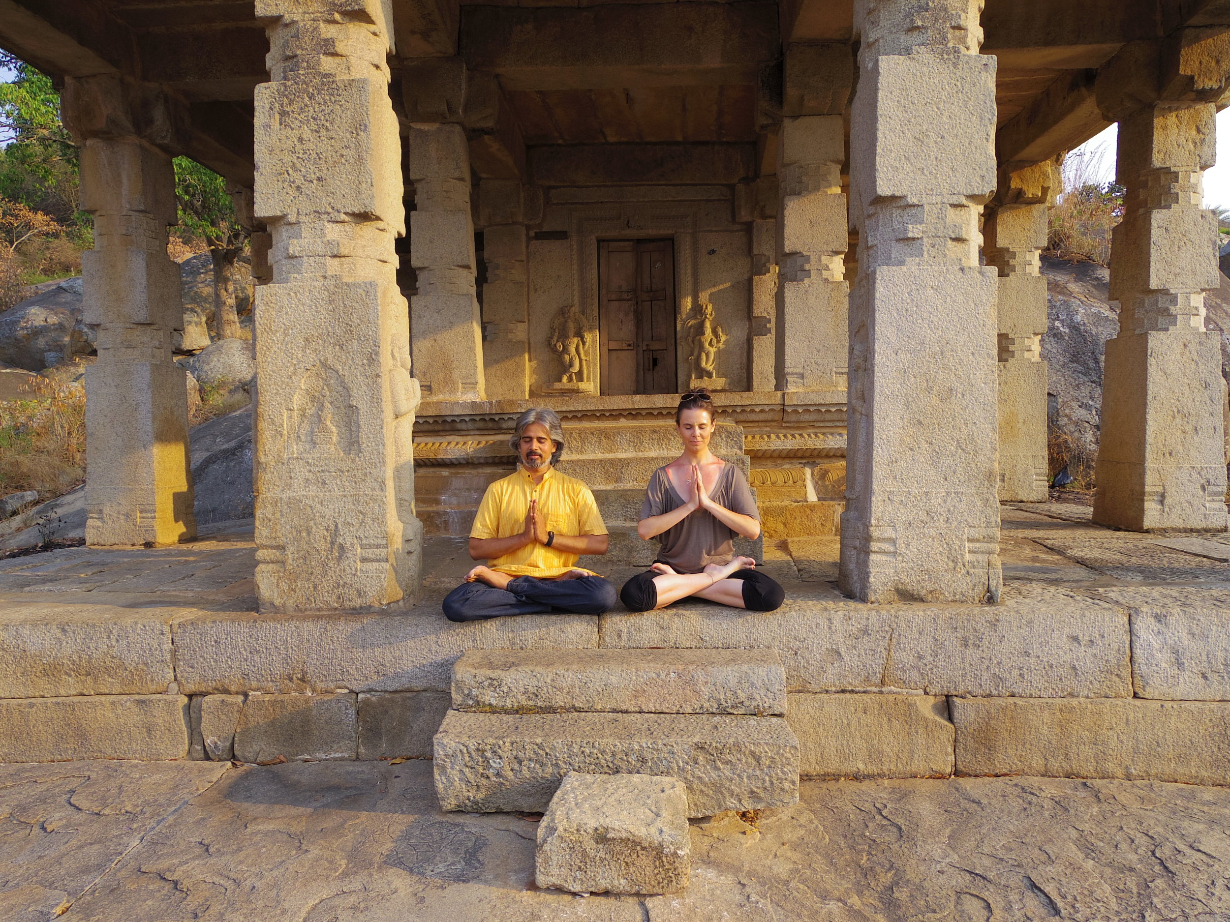 Jessica Dewar Yoga_Bharath Shetty
