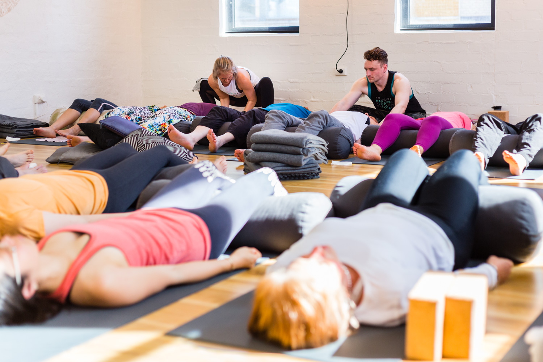 Jessica Dewar Yoga_Massage Yoga (2).jpg