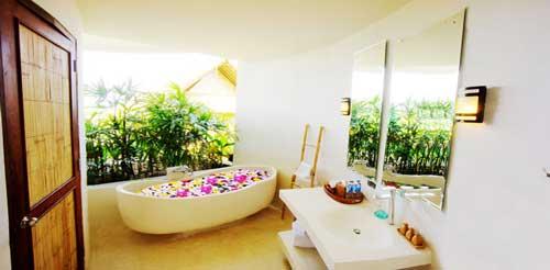 Bali-retreat-bathtub.jpg