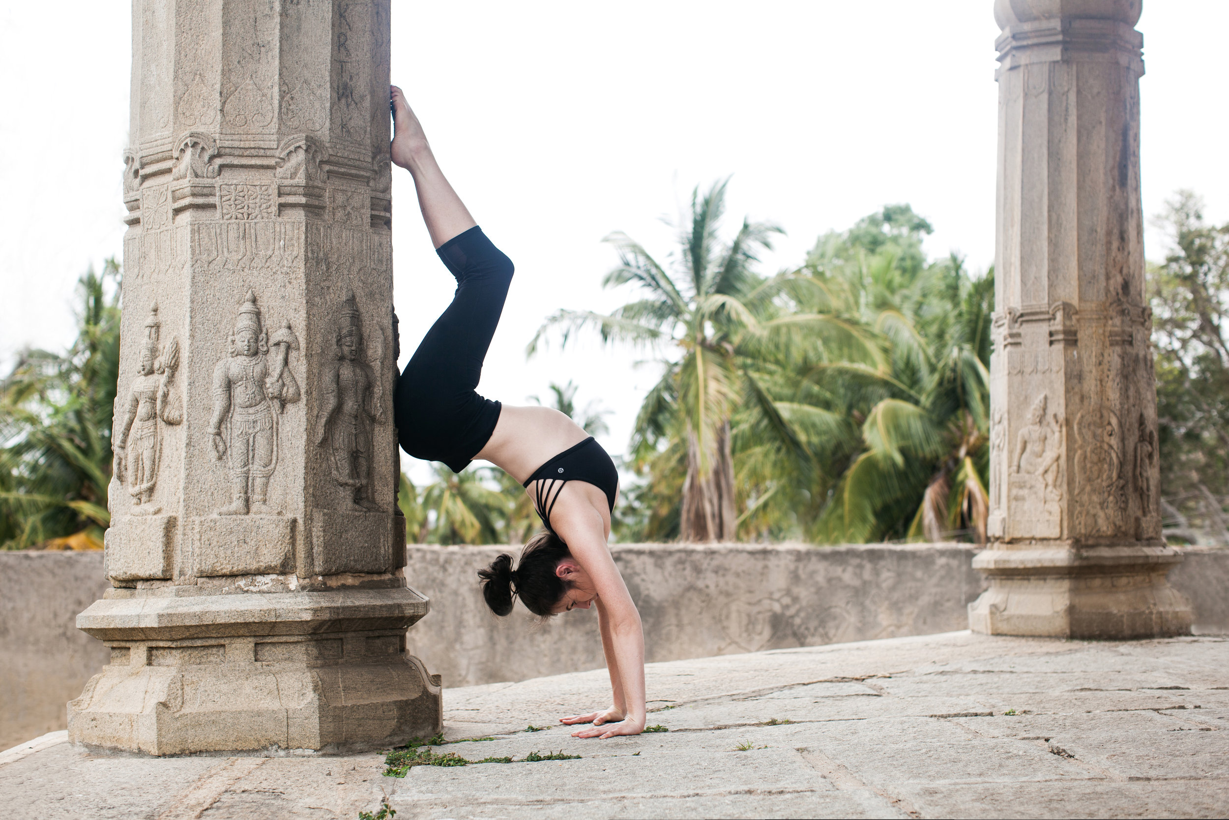 Jessica Dewar Yoga_Hollow Back Handstand_Mysore India.jpg