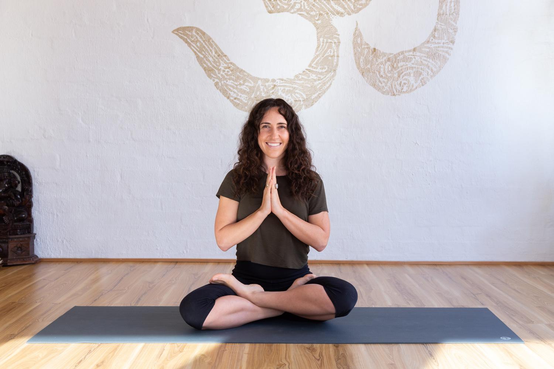 Jassy Rennie_Jessica Dewar Yoga 2.jpg