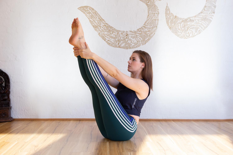 Natalie Jefferis_Jessica Dewar Yoga 2.jpg