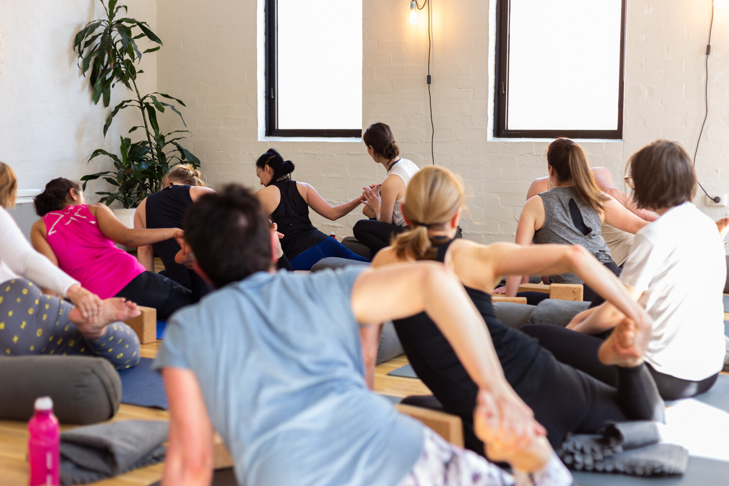 Jessica Dewar Yoga_Teaching In Studio.jpg