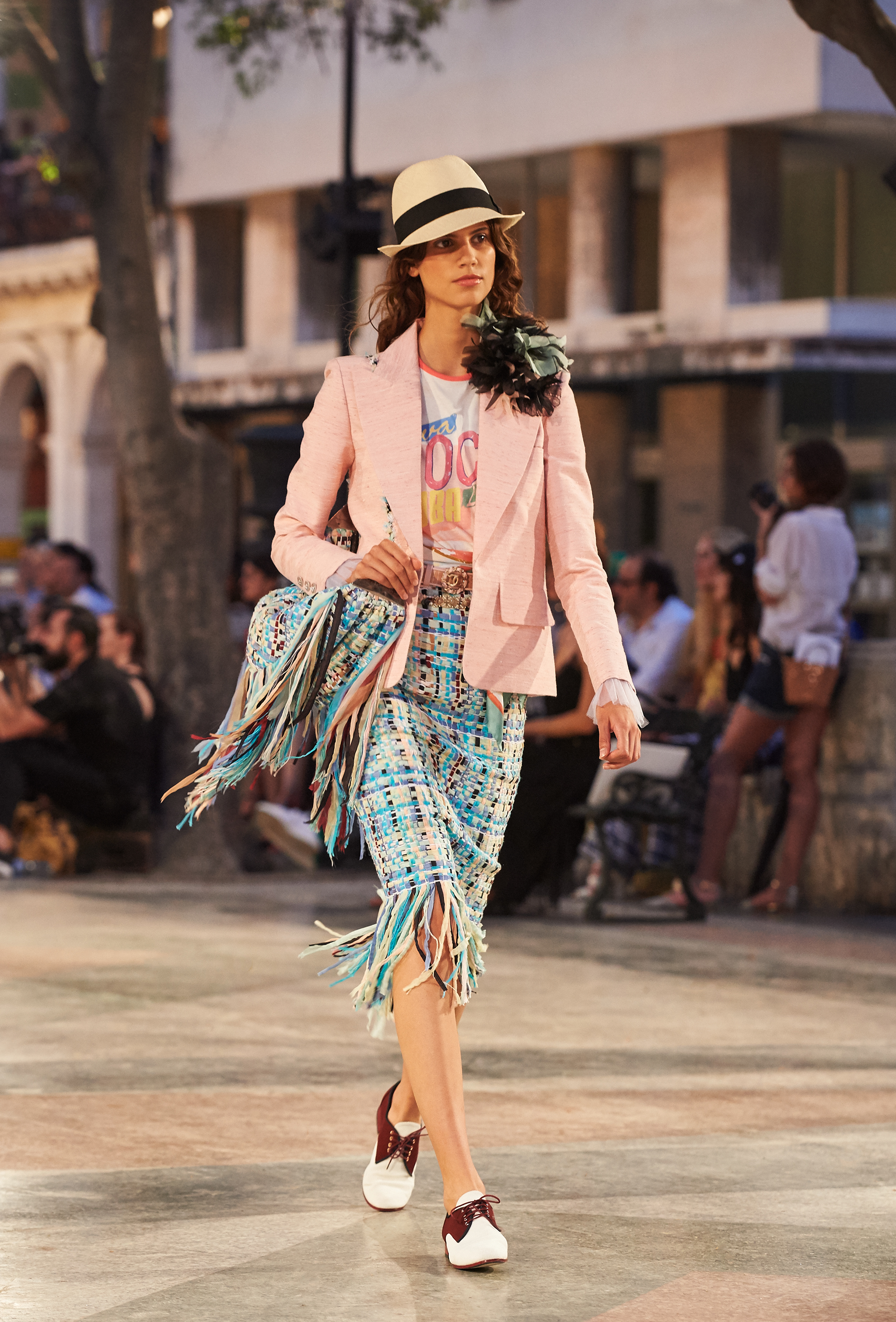 05_Cruise 2016-17 collection - Show pictures by Olivier Saillant - Look 43.jpg
