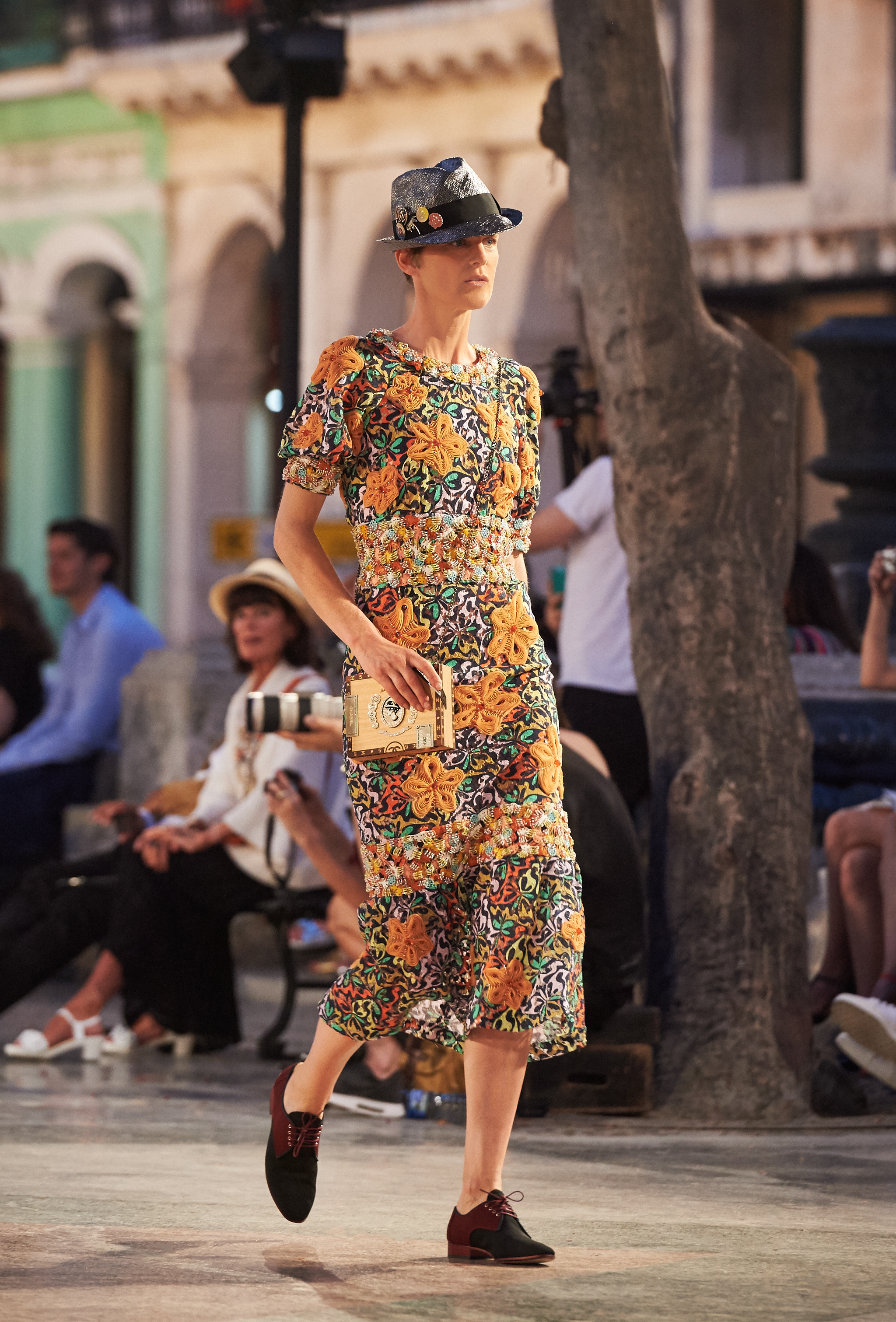 06_Cruise 2016-17 collection - Show pictures by Olivier Saillant - Look 48.jpg