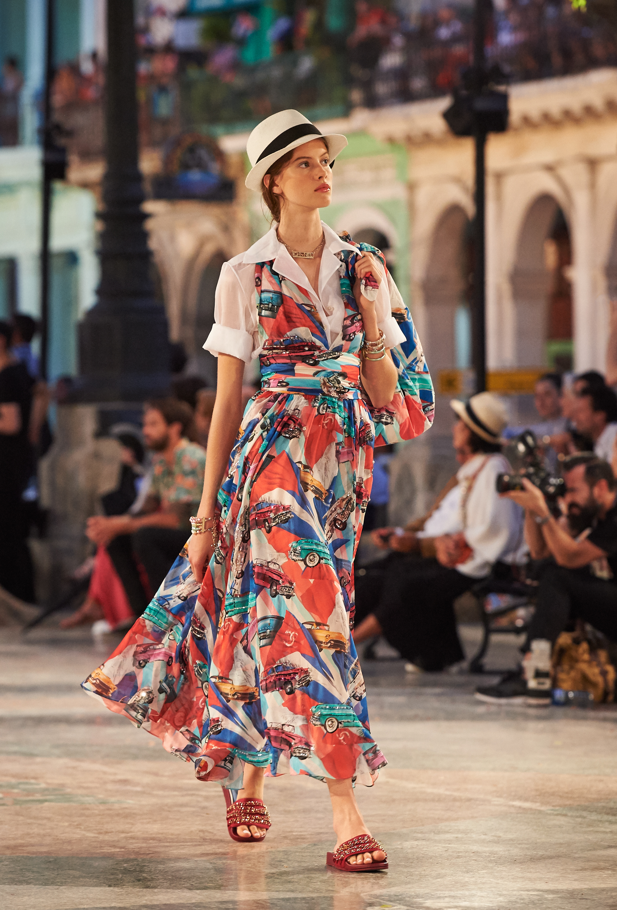 08_Cruise 2016-17 collection - Show pictures by Olivier Saillant - Look 71.jpg