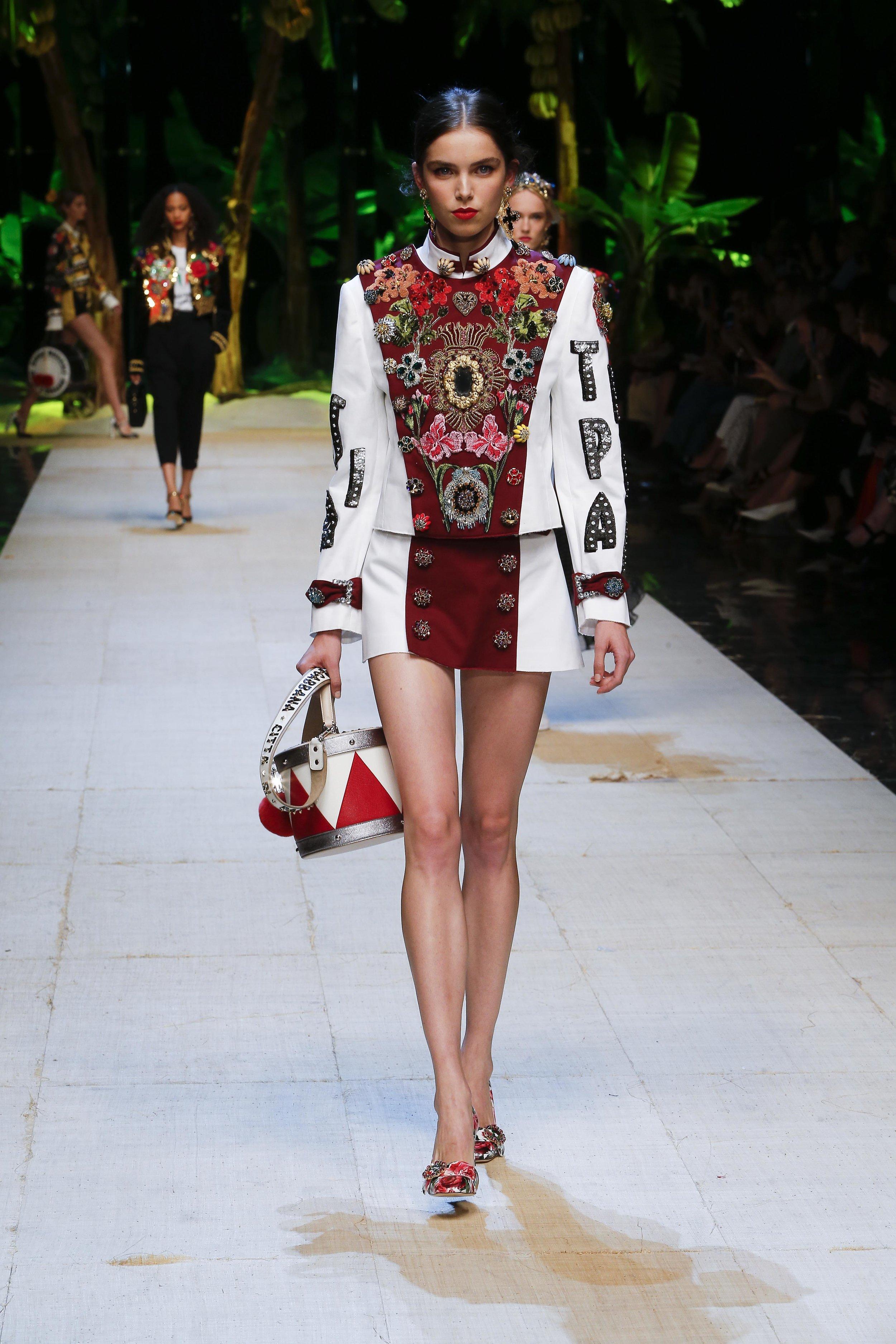 Dolce&Gabbana_women's_fashion_show_SS17 (1).jpg
