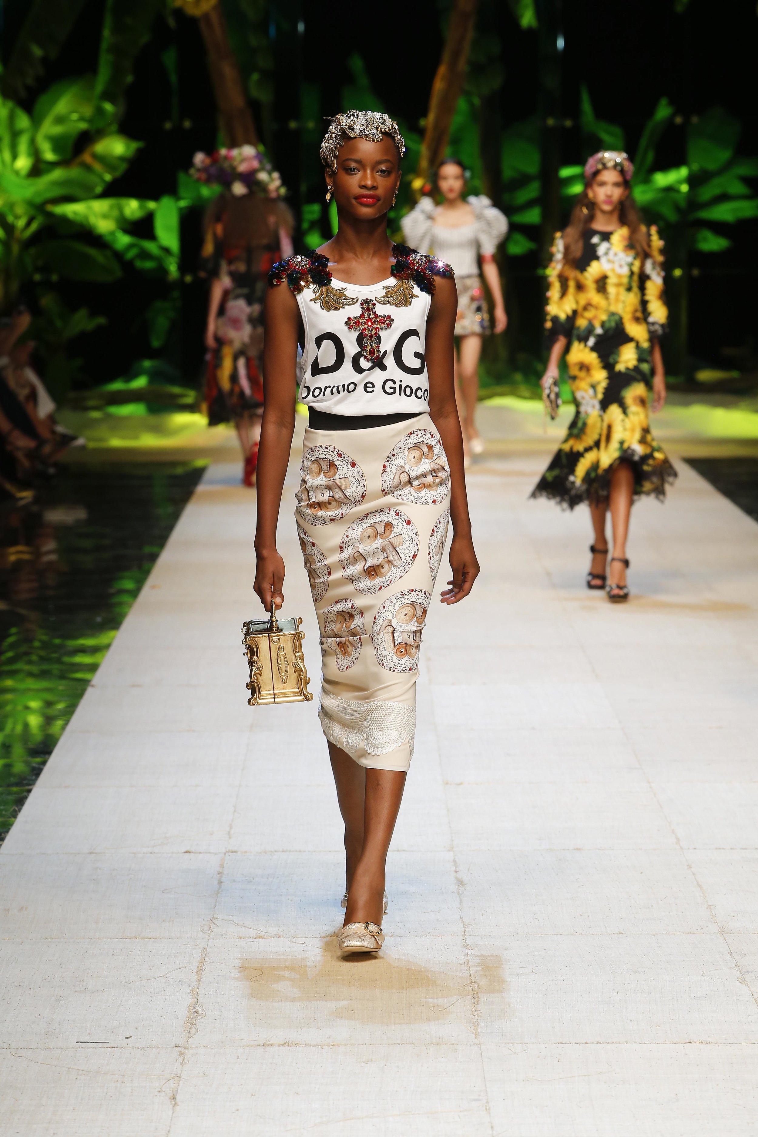 Dolce&Gabbana_women's_fashion_show_SS17 (15).jpg