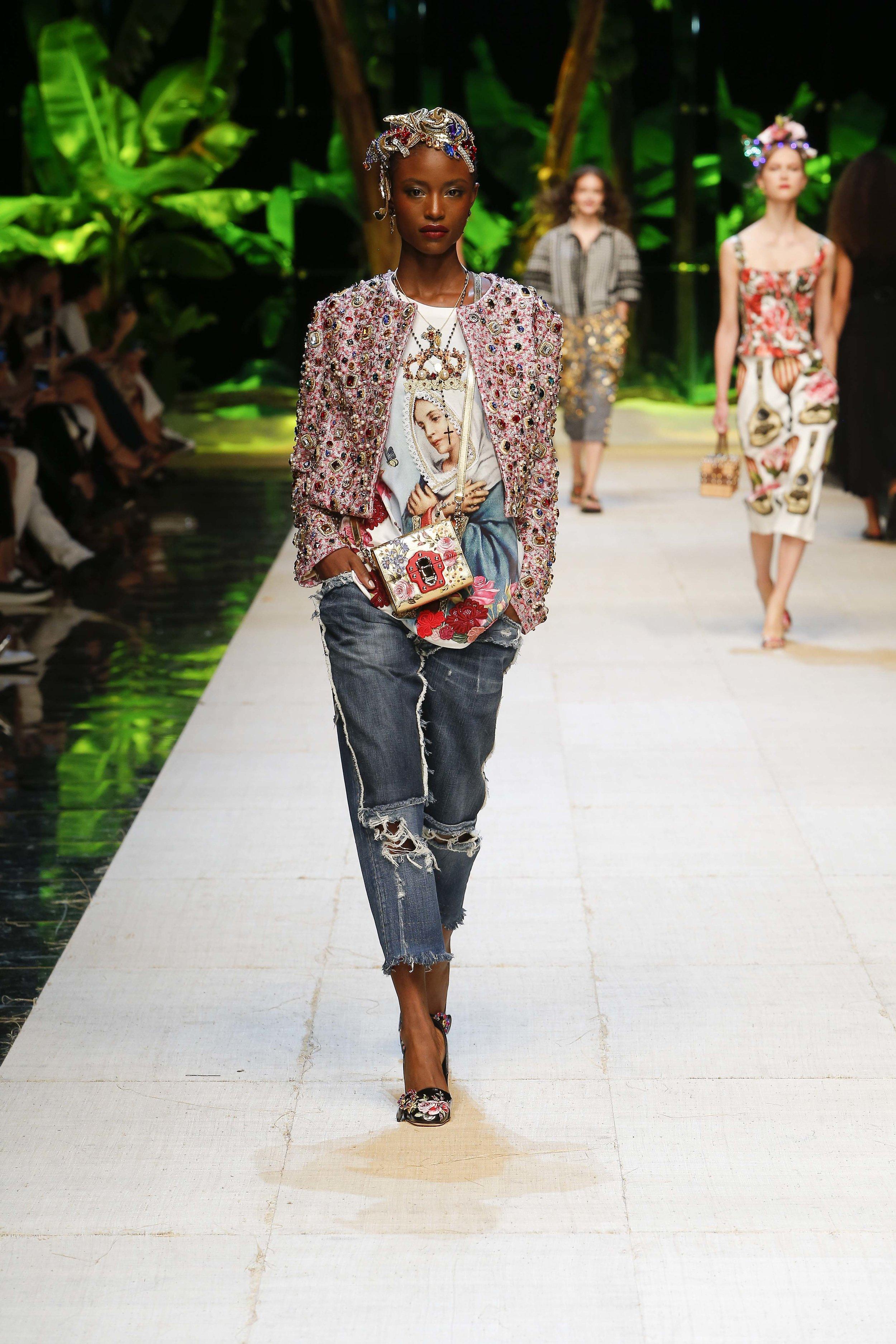 Dolce&Gabbana_women's_fashion_show_SS17 (19).jpg