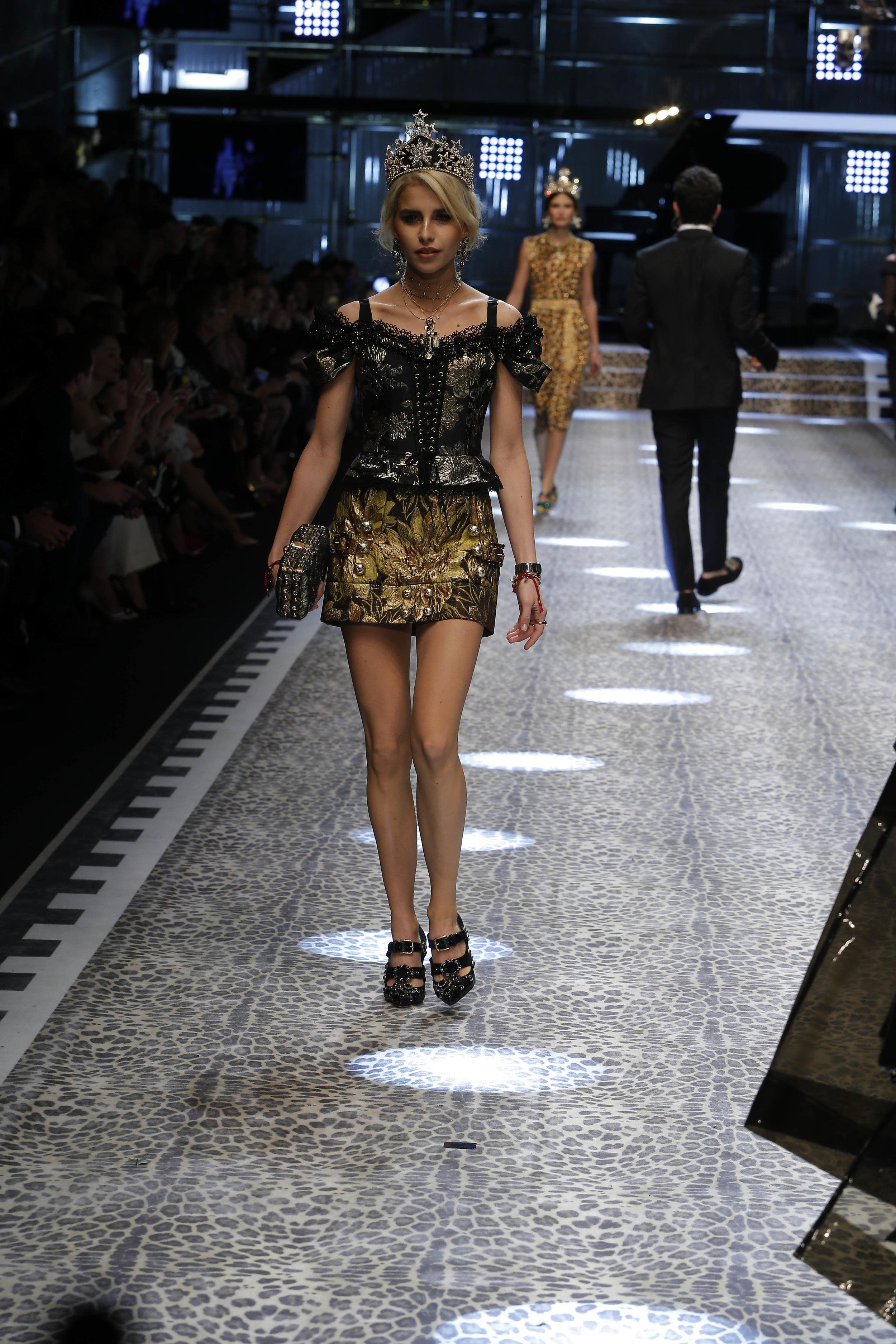 Dolce&Gabbana_women's fashion show fw17-18_Runway_images (115).jpg