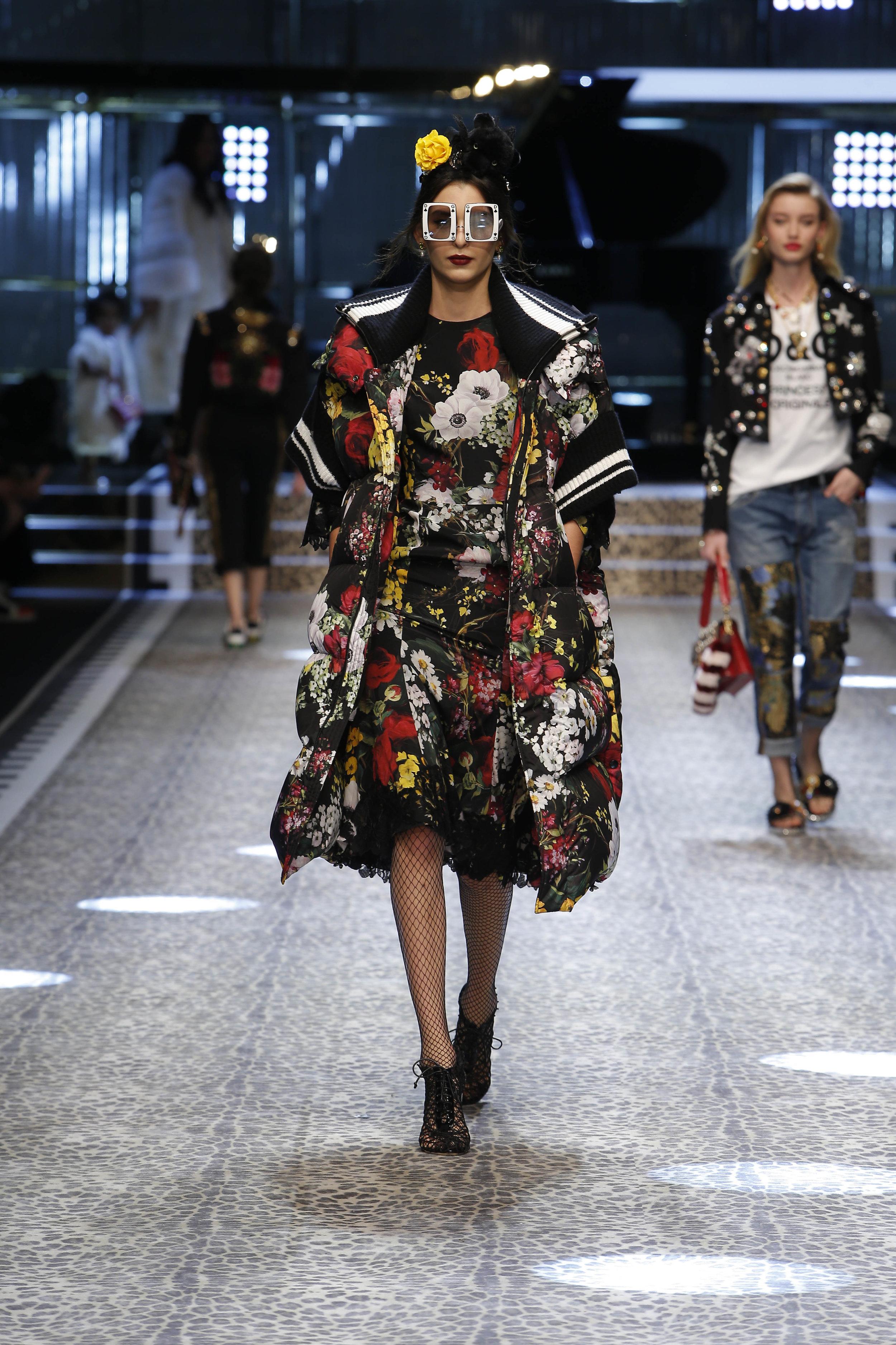 Dolce&Gabbana_women's fashion show fw17-18_Runway_images (51).jpg