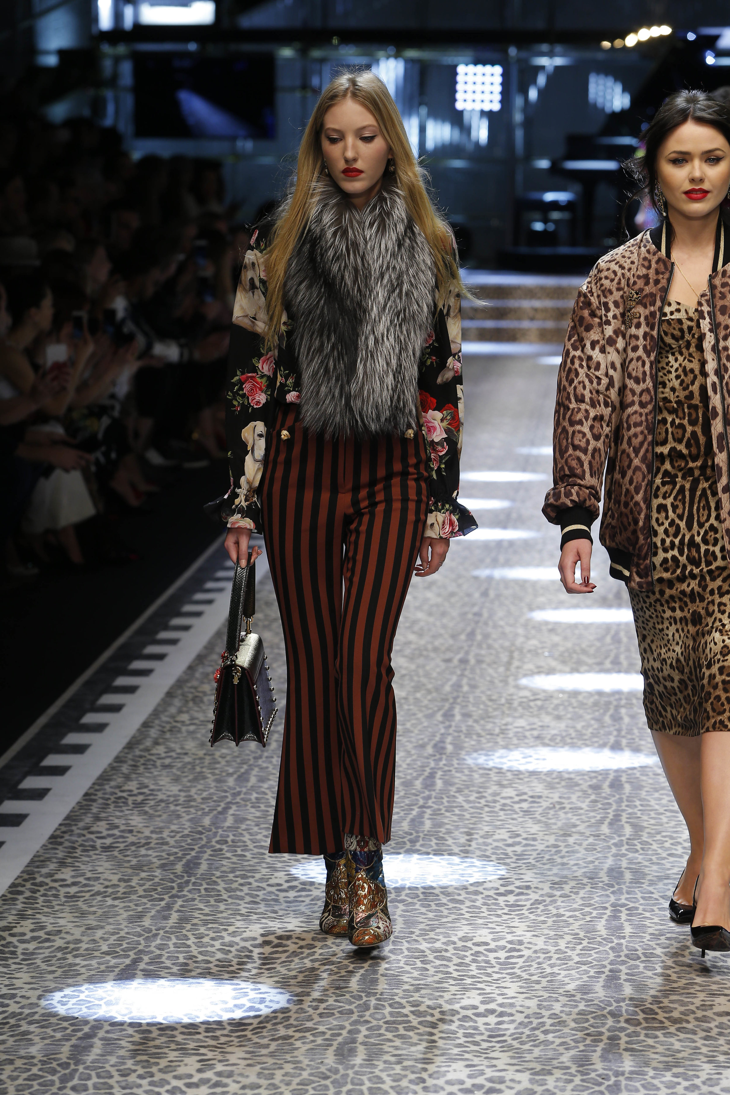 Dolce&Gabbana_women's fashion show fw17-18_Runway_images (63).jpg