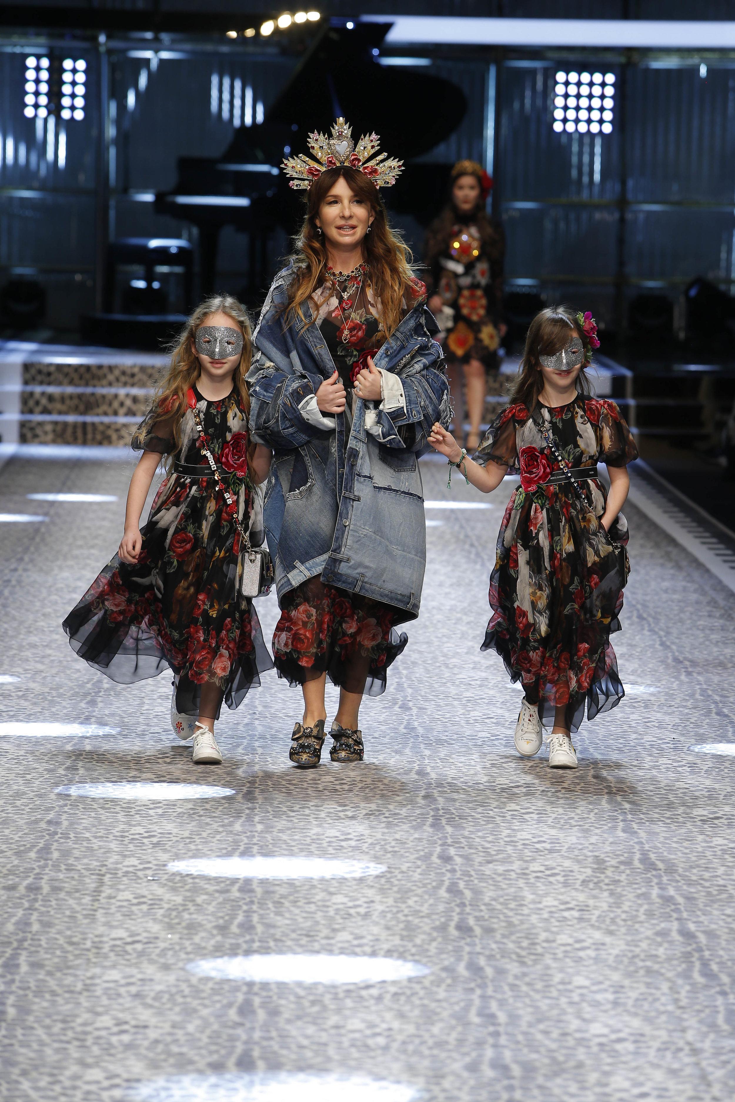 Dolce&Gabbana_women's fashion show fw17-18_Runway_images (70).jpg