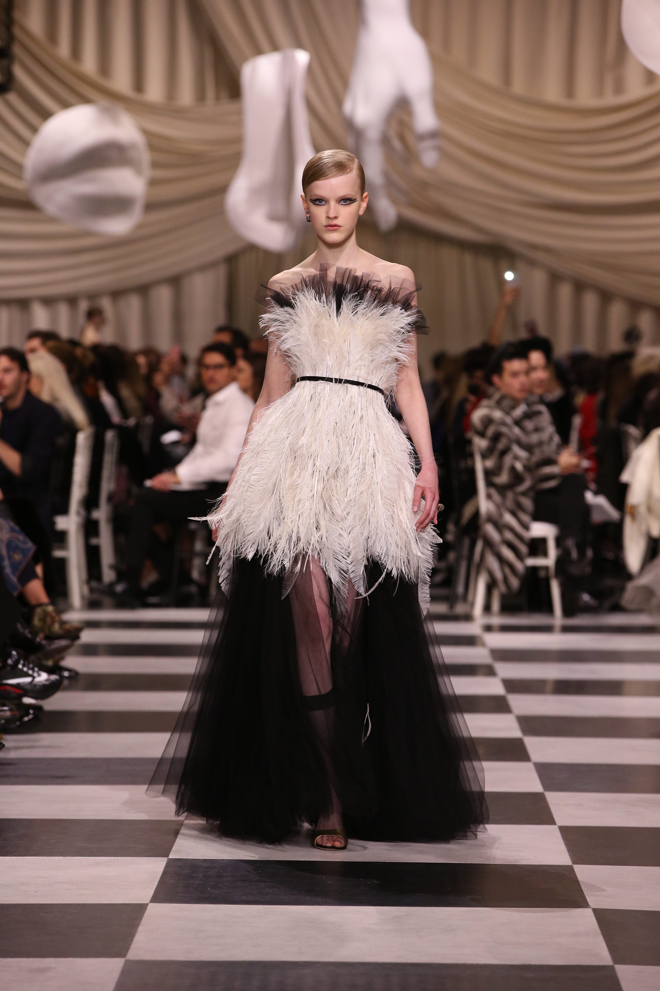 DIOR_HAUTE COUTURE_SPRING-SUMMER 2018_LOOK_23.jpg