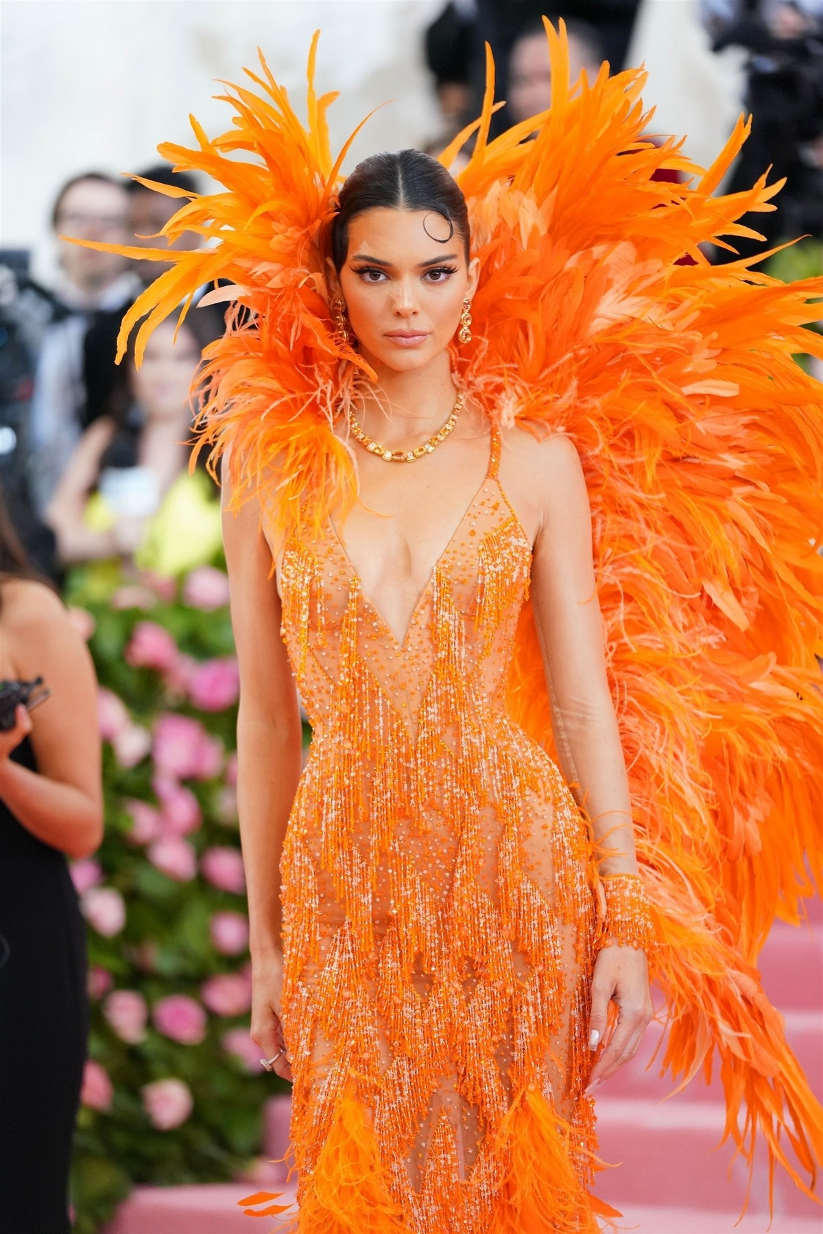 kendall-jenner-at-2019-met-gala-celebrating-camp-notes-on-fashion-in-new-york-2019-05-06-04.jpg