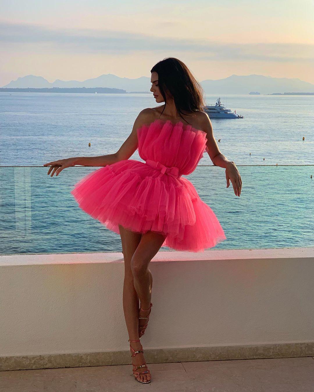Kendall-Jenner-Feet-4223437.jpg