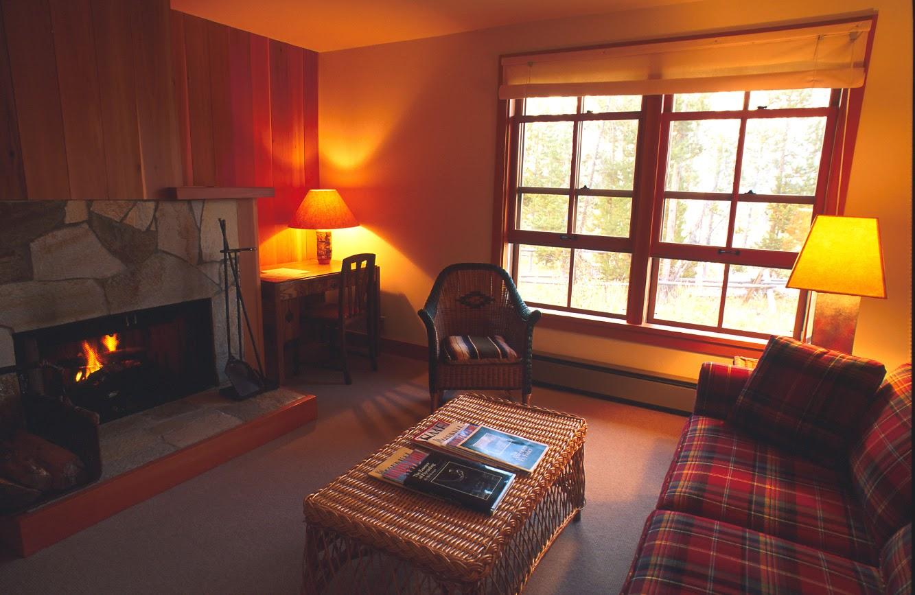 HFL Cottage Suite 9 Living Area.jpg