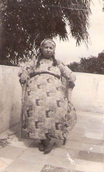 Auntie Nazira, one of Usama al-Khalidi's aunts; oftenused to explain complex concepts in biochemistry