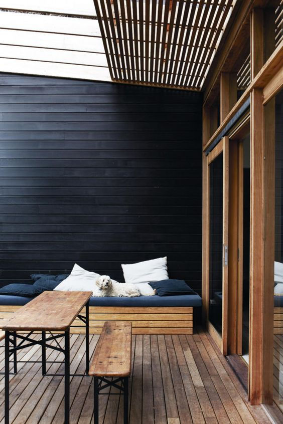 Les not forget you best friend. Make it comfy for them too! The black wall is bold but looks amazing. Be bold!