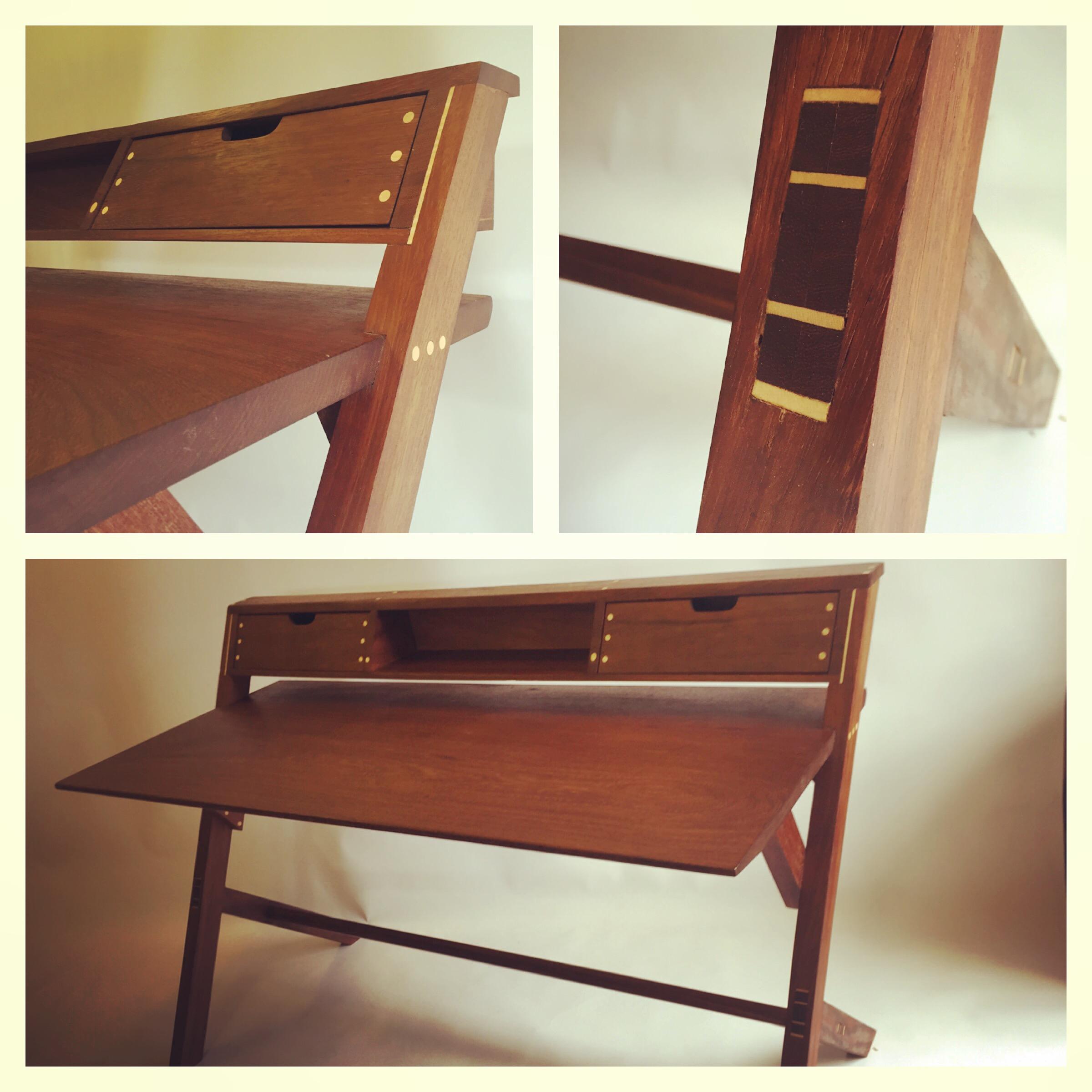 Cantilevered desk