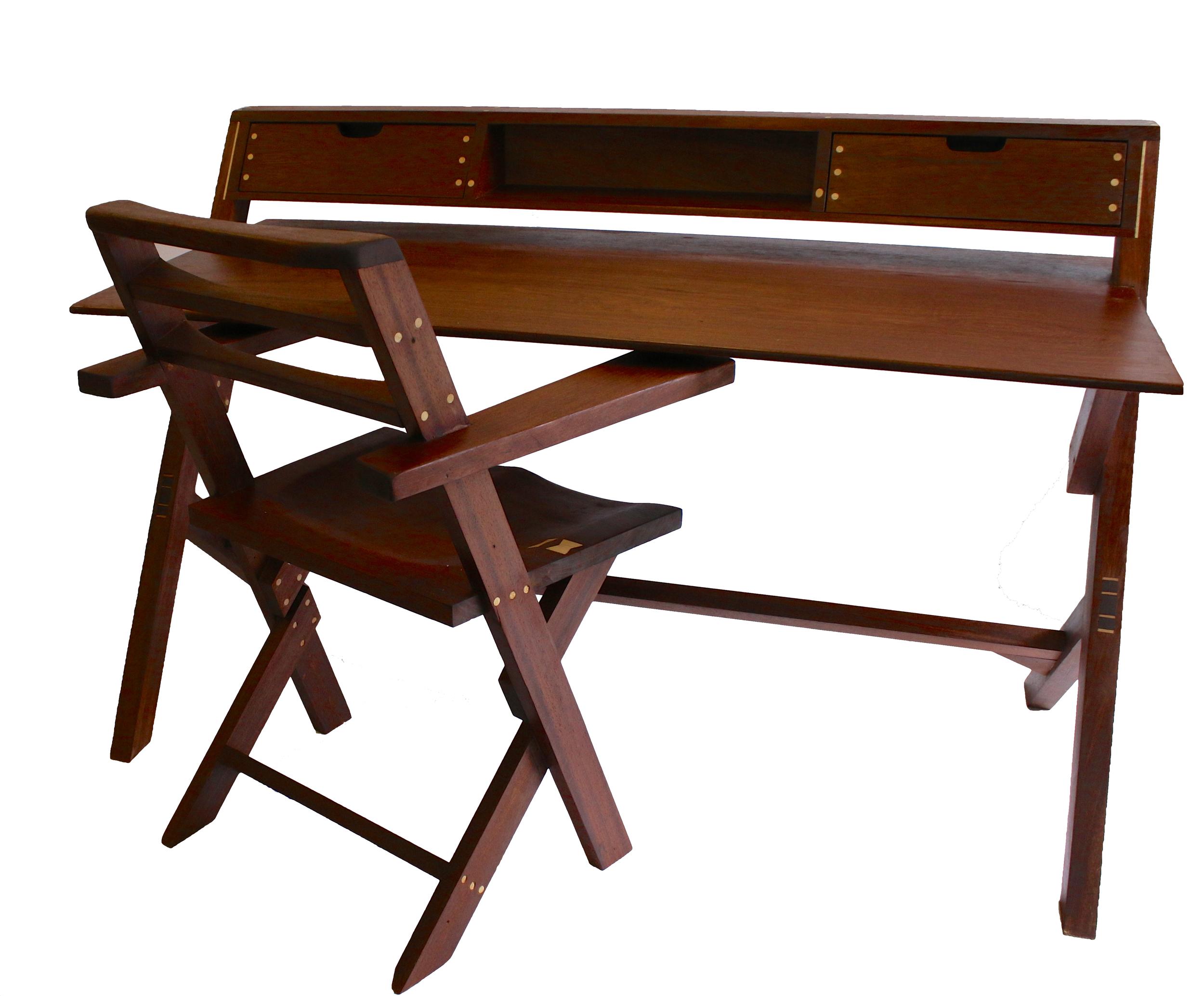 Cantelevered desk