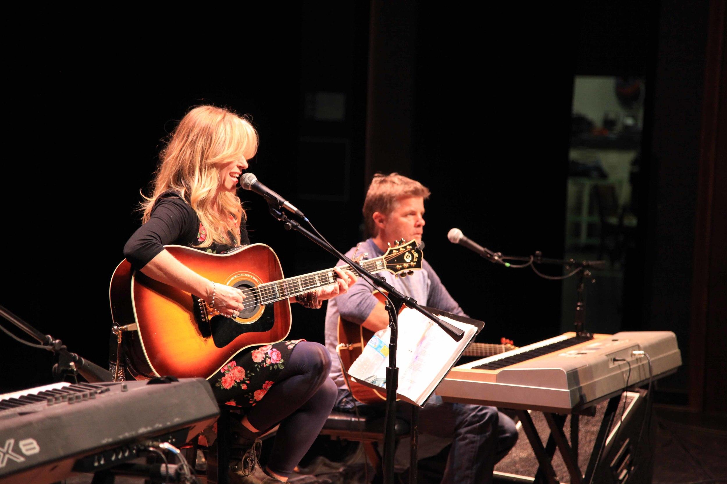 Deana and Richie Soundcheck.jpg
