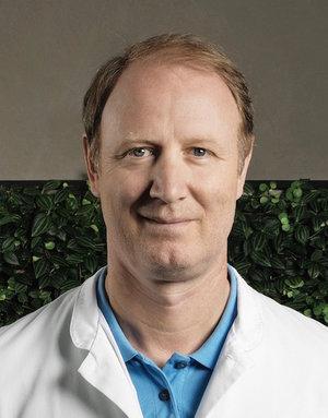 Chirurgische Interventionen bei Erkrankung der Herzkranzgefässe - ◦ Bypass Chirurgie◦ minimal-invasive Bypass Chirurgie im Hybrid-Verfahren (MIDCAB)