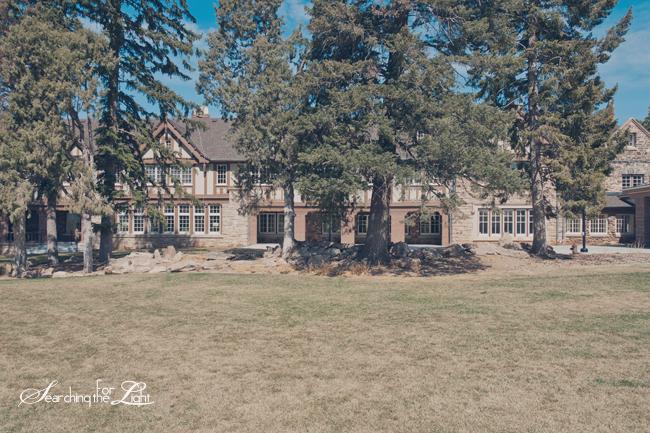 Best Denver Wedding Venues | Where to get Married in Denver | Highlands Ranch Mansion  Vintage Wedding Venue Photo | Vintage Wedding Photography | Denver Wedding Photographer