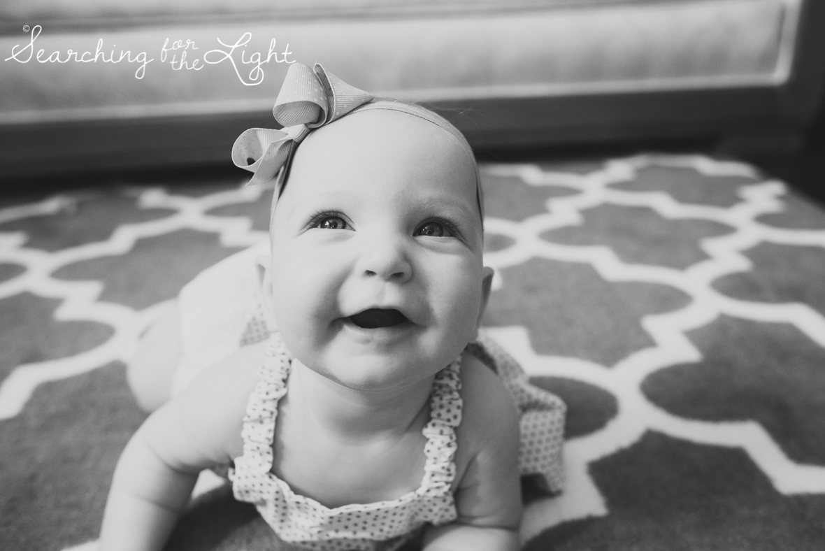 colorado-baby-photographer-olivemae-5-months-141_bw